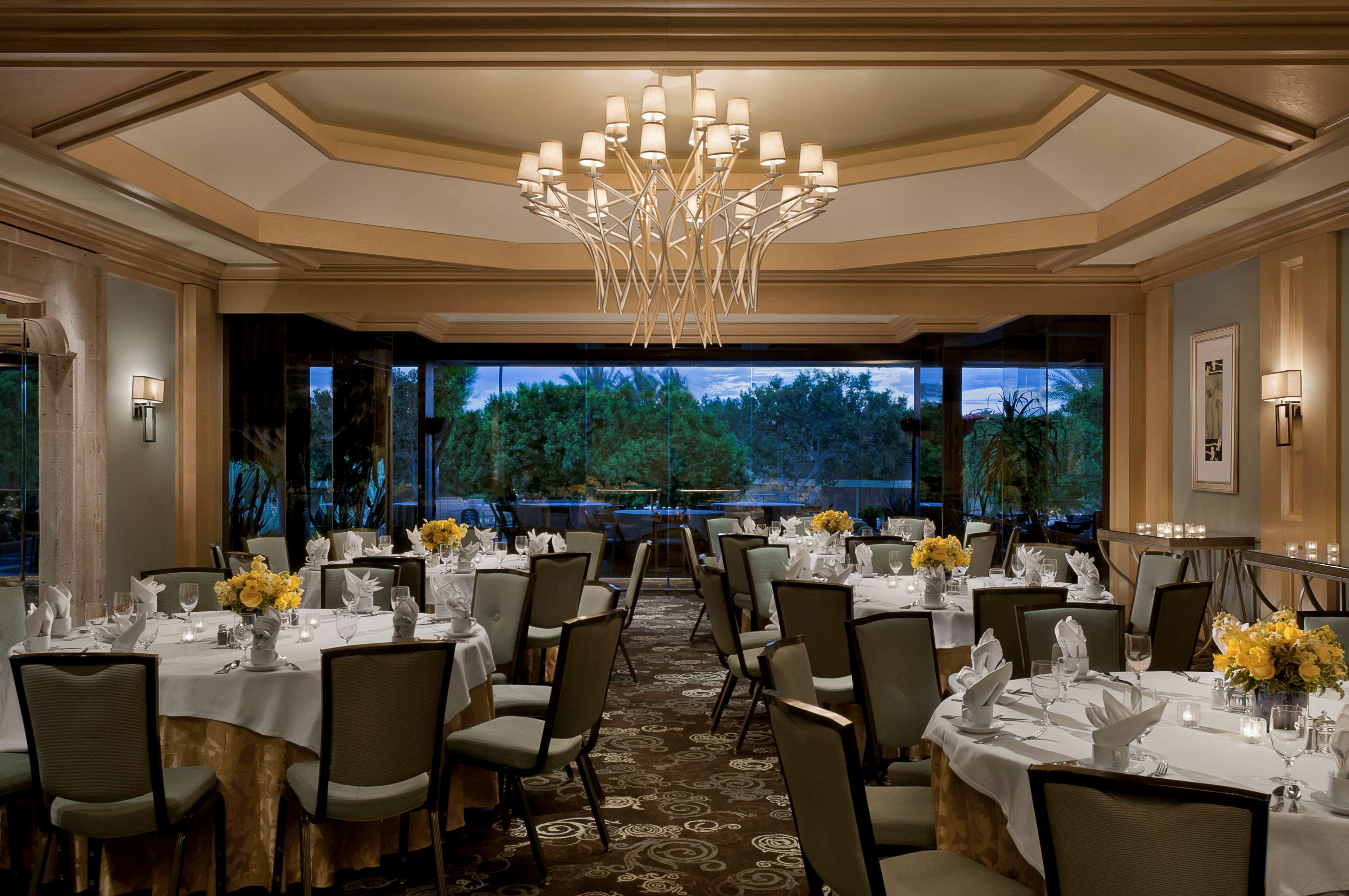 The phoenician a luxury collection resort scottsdale in for Small private hotels