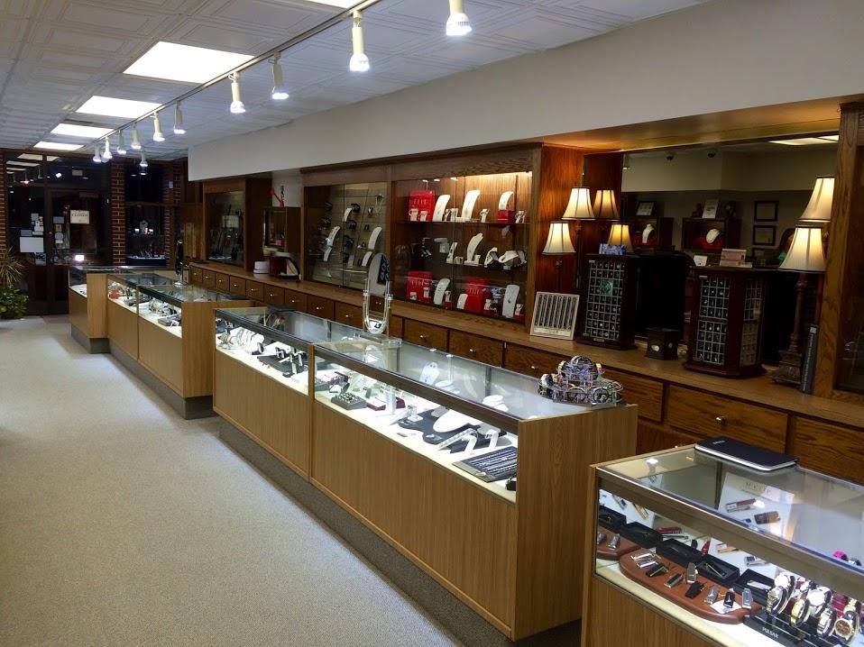 Lr Jewelers - Cedar Falls, IA - Jewelry & Watch Repair
