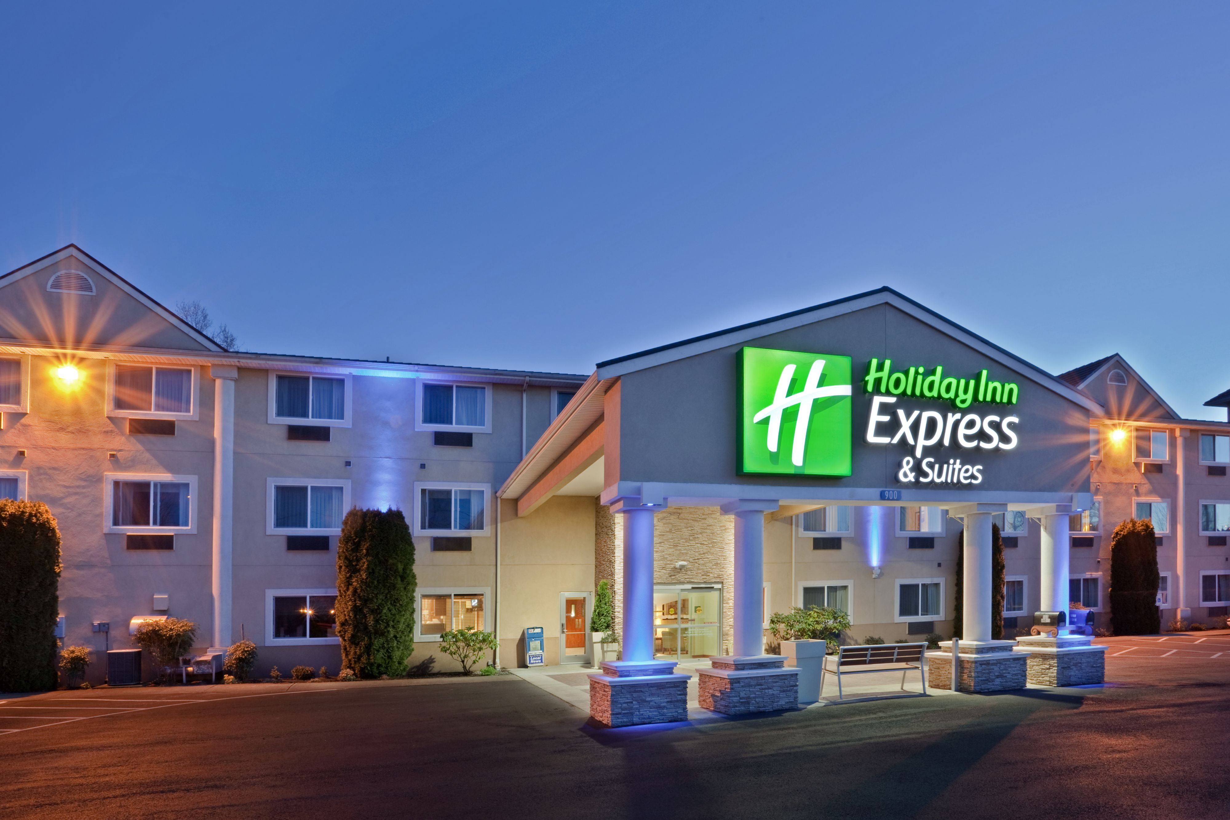 Hotels Near Burlington Ia