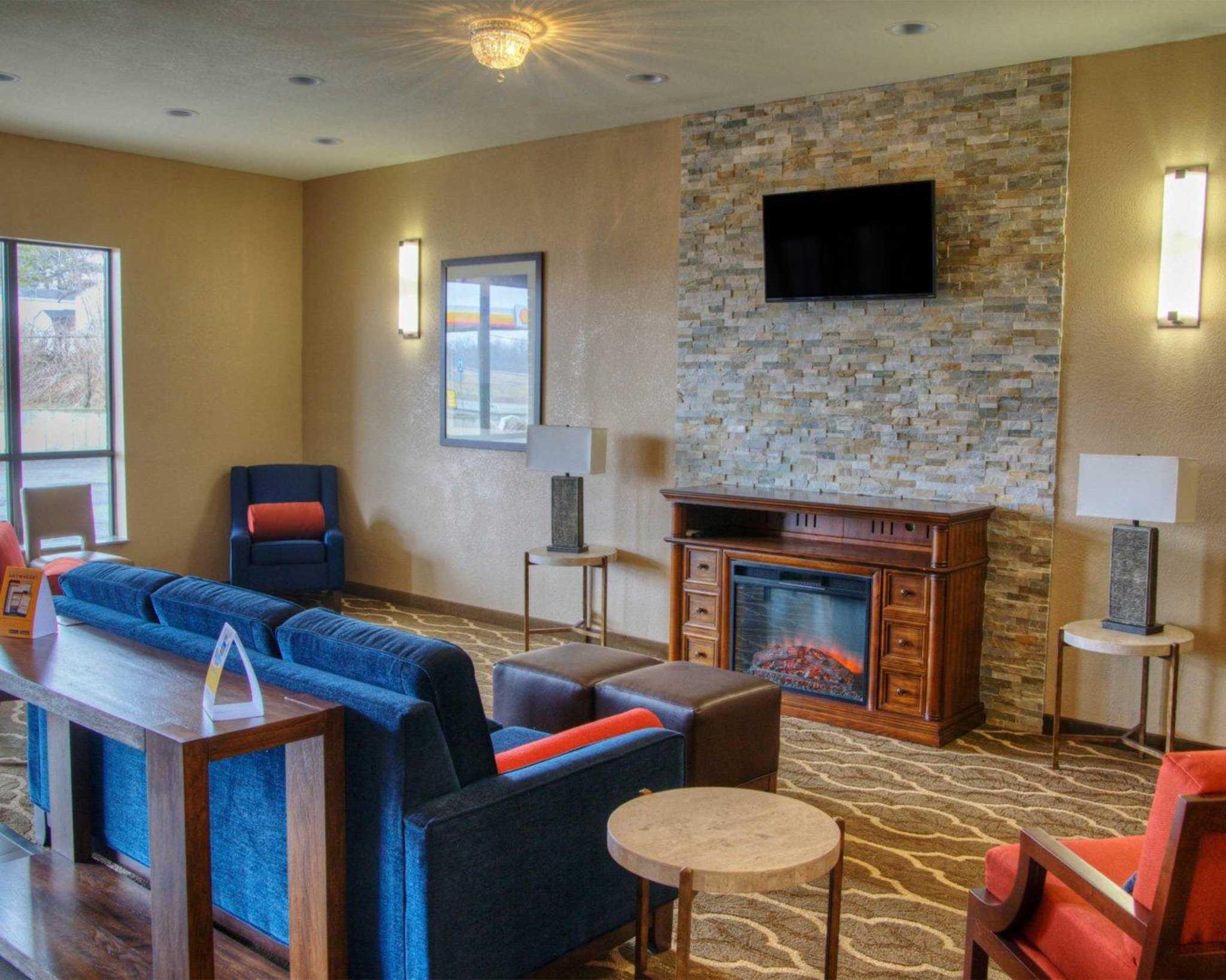 Comfort Suites Plymouth Indiana In Localdatabase Com