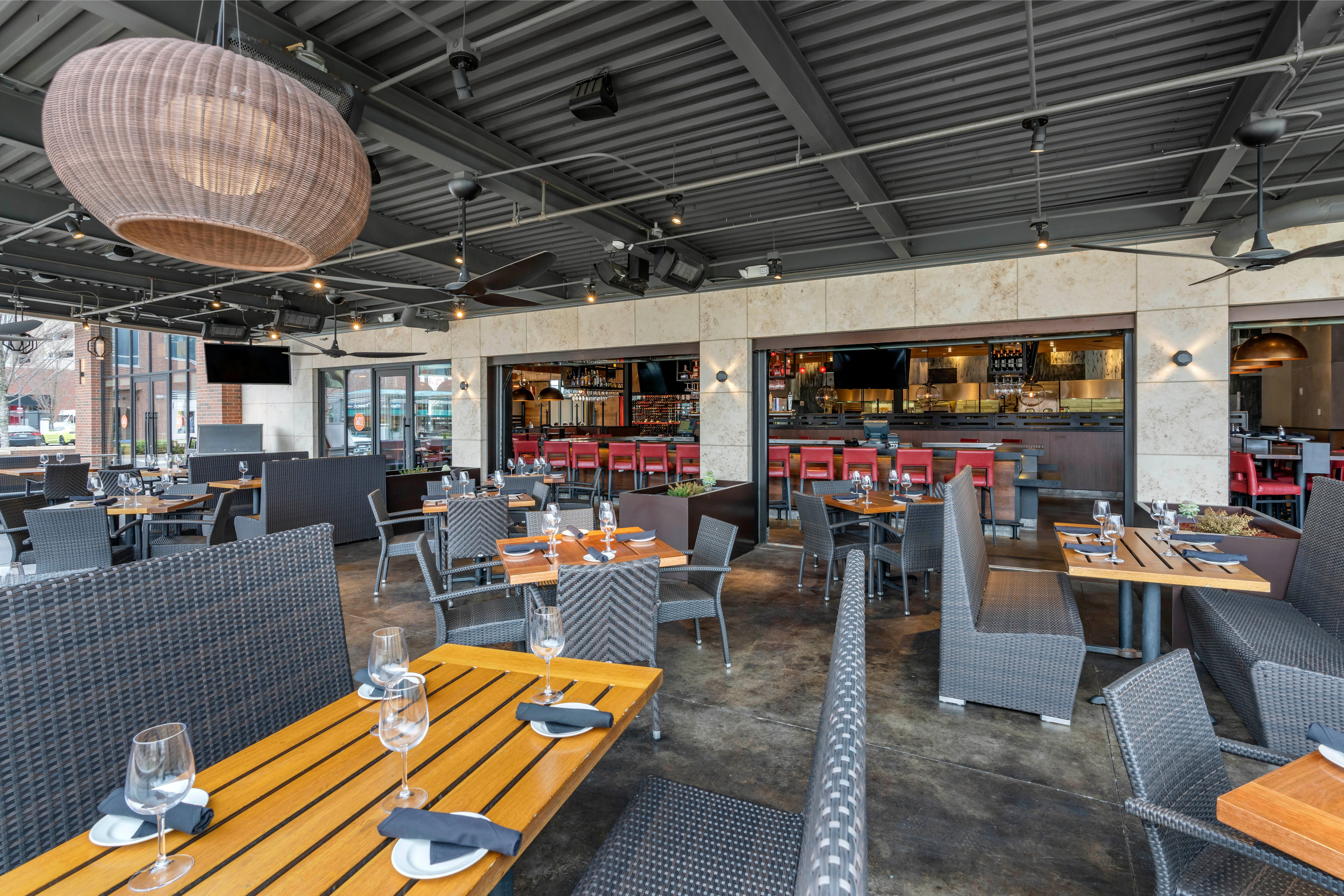 Del Frisco's Grille Brentwood Patio group dining room