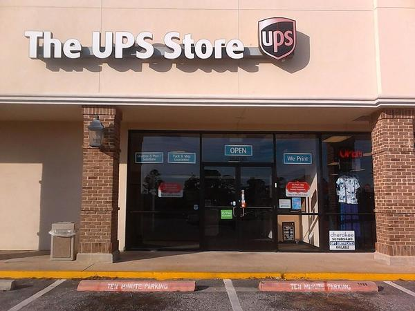 Facade of The UPS Store Mobile