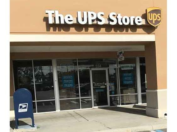 The Ups Store In The Boot Ranch Shopping Center Shipping Packing