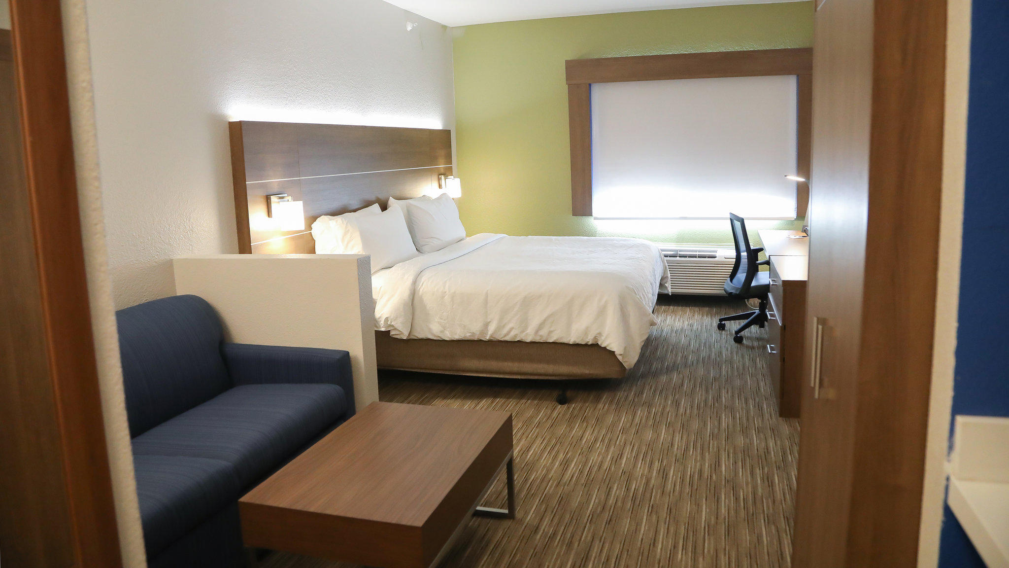 Holiday Inn Express Amp Suites Colorado Springs North