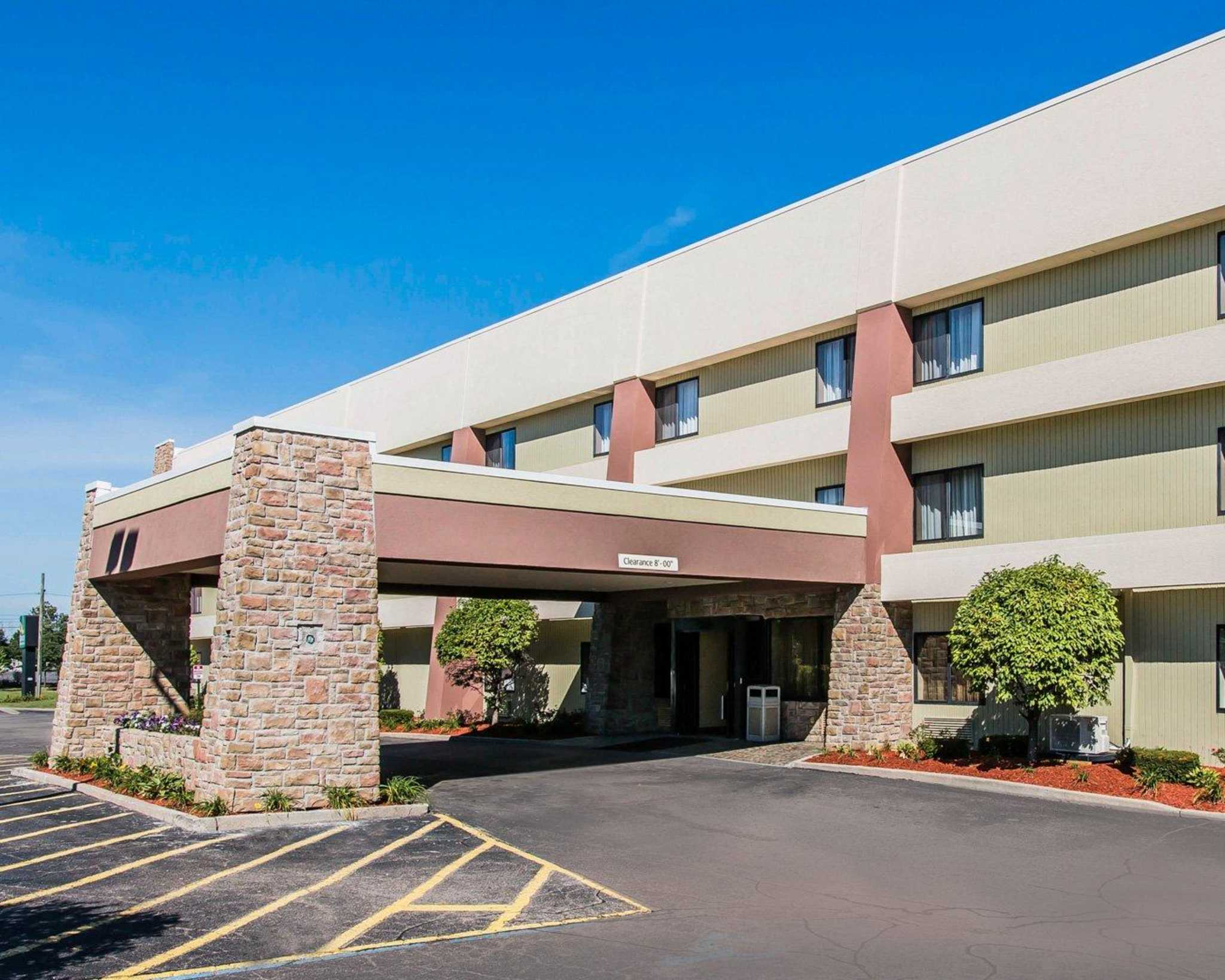 You can find the Quality Inn & Suites hotel located 1 mile from the Detroit Metropolitan Wayne County Airport, another convenience of the hotel is we are