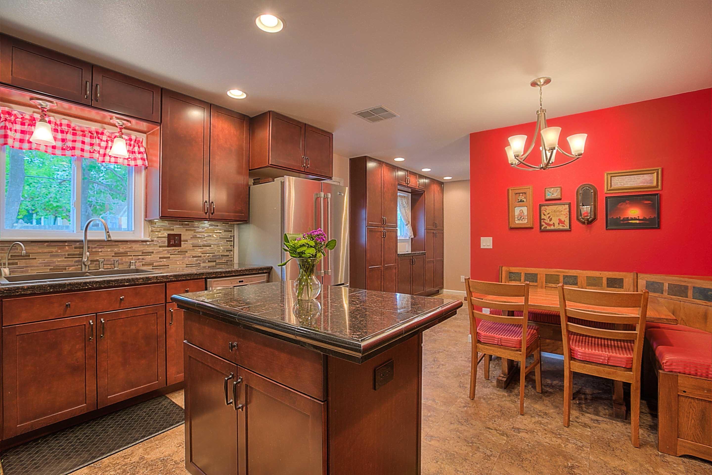 Triumph remodel in albuquerque nm 87122 for Albuquerque kitchen cabinets