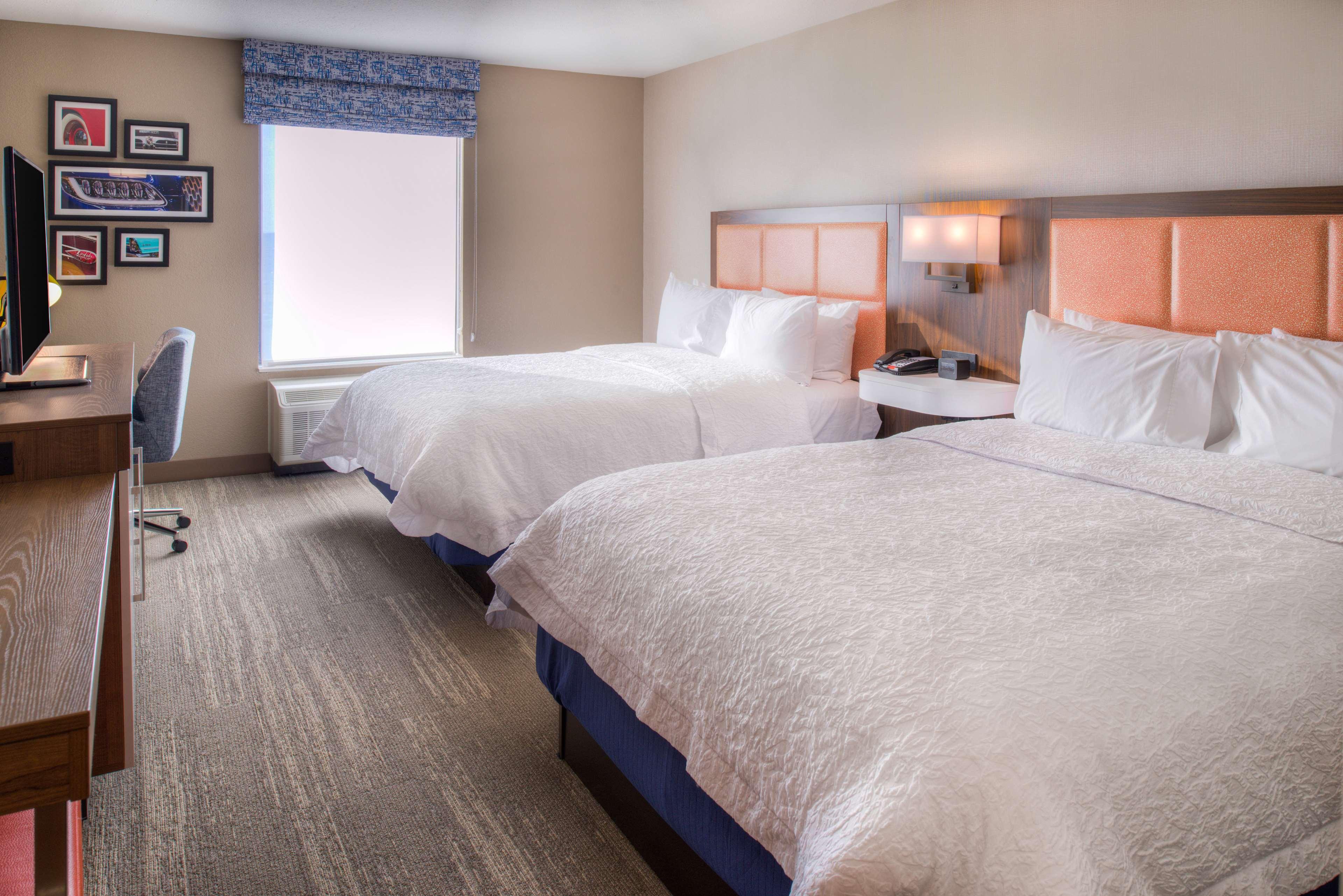 Hampton Inn & Suites Wixom