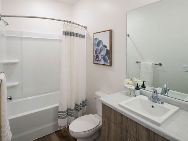 Bathroom Foothill Lofts Apartments & Townhomes Logan (435)238-7121