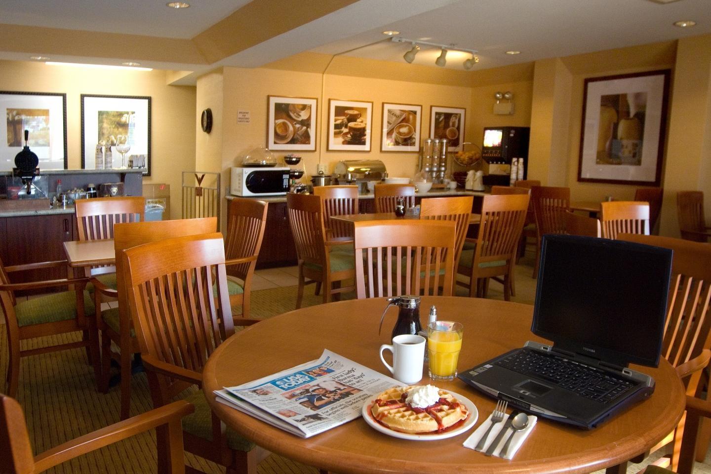 Phoenix Inn Suites - South Salem image 5