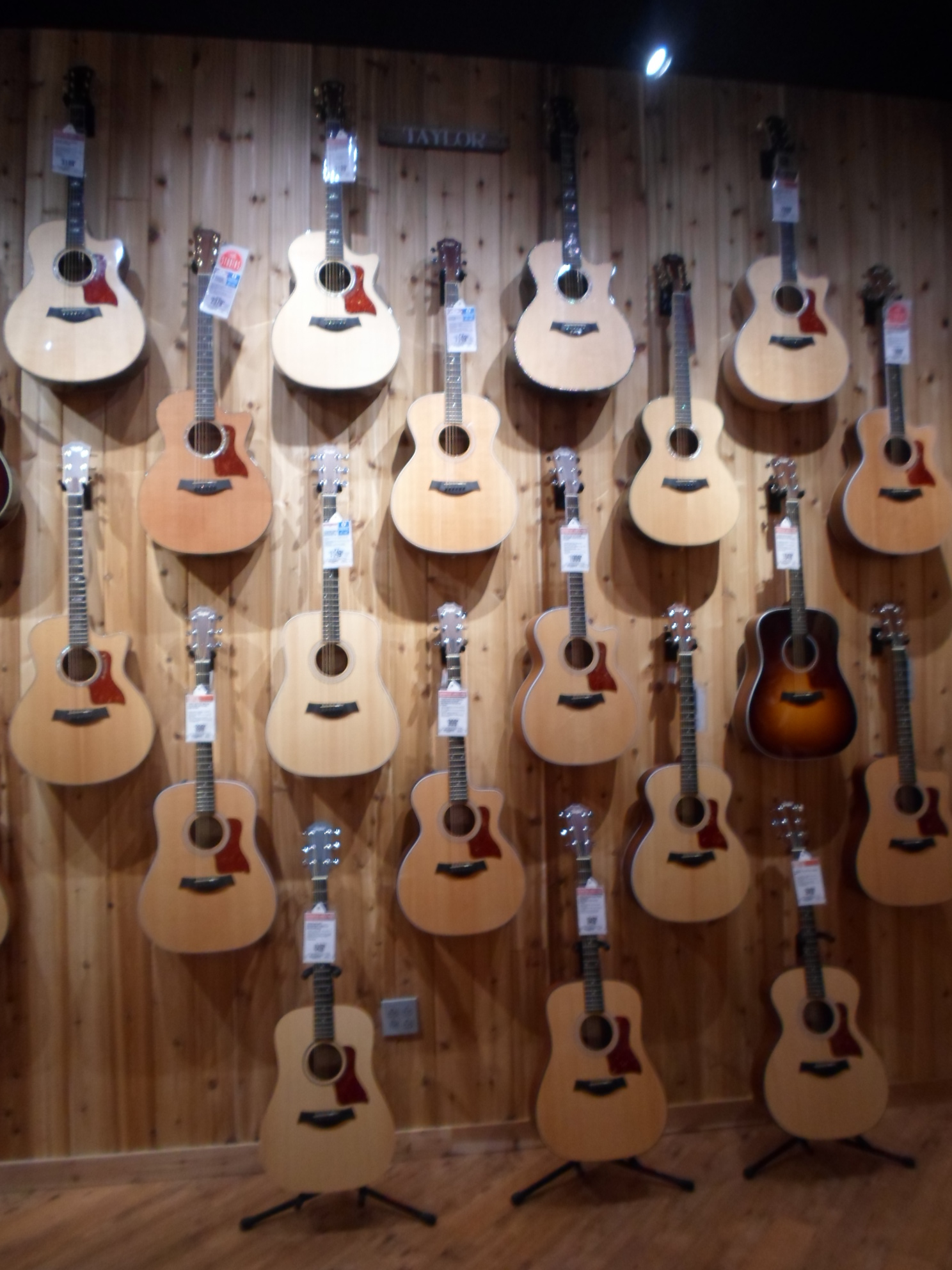 guitar center lessons coupons near me in charlotte nc 28262 8coupons. Black Bedroom Furniture Sets. Home Design Ideas