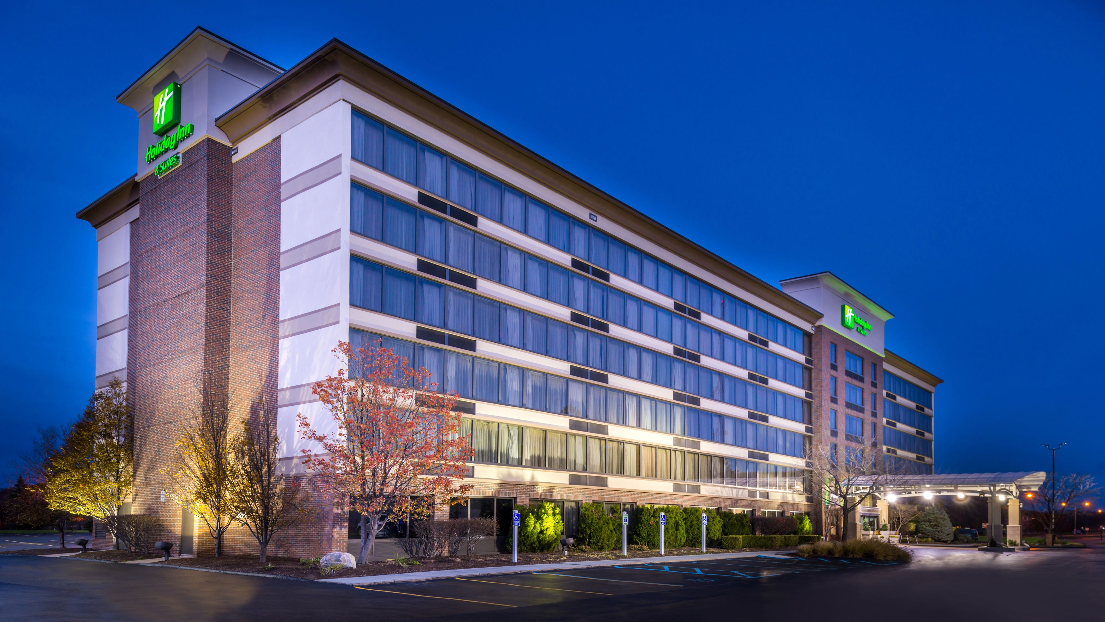 Hotel reviews hotel deals hotels near me ihg autos post for Hotels 8 near me