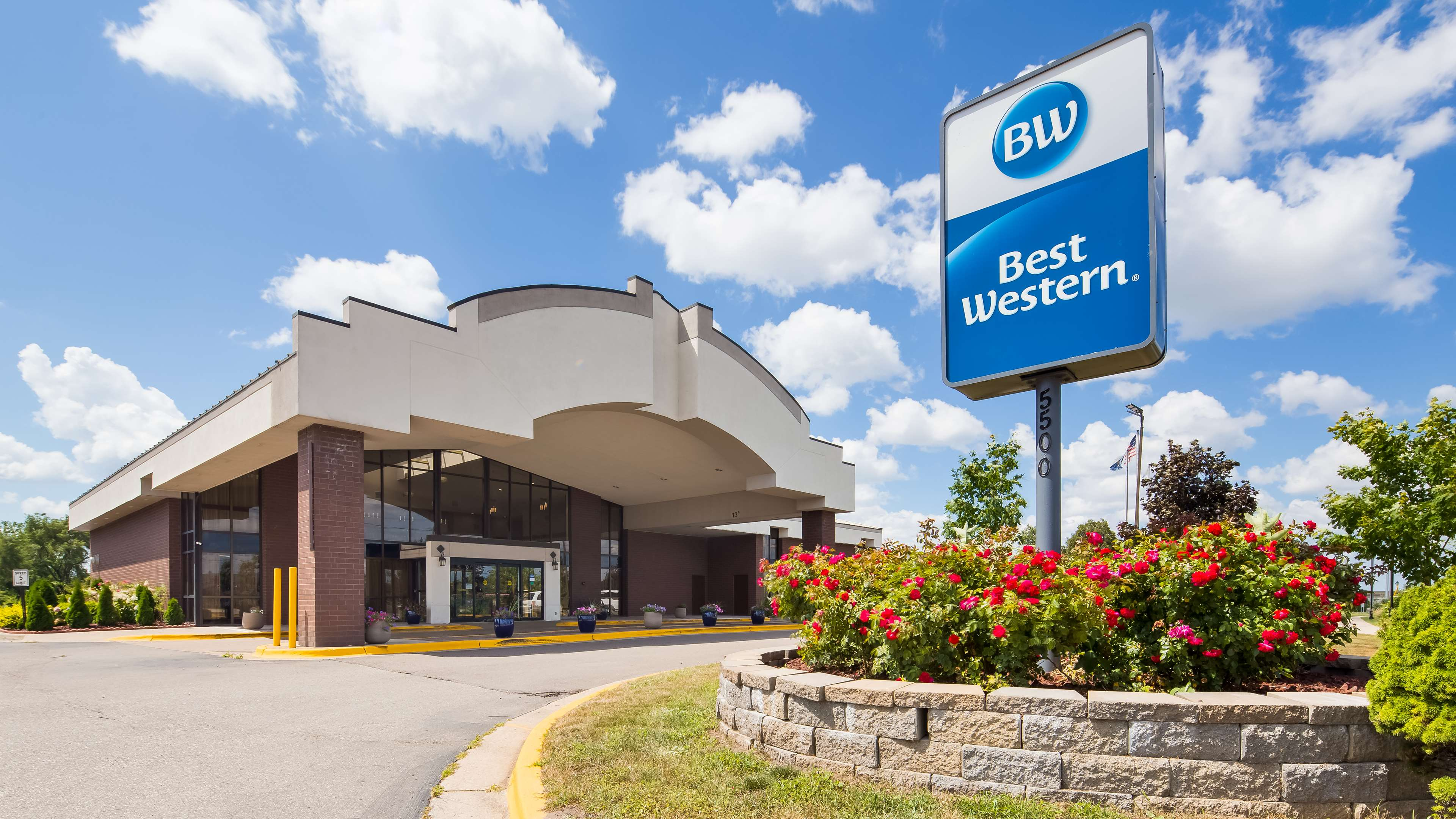 Best Western Grand Rapids Airport Hotel