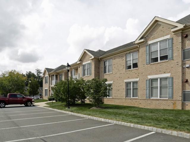 Heritage Court Apartments