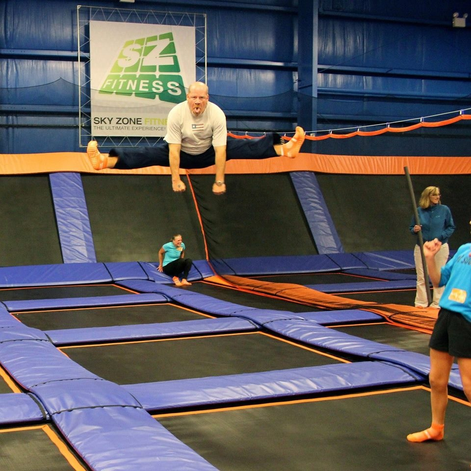Sky zone indoor trampoline park coupons near me in glen for Ball pits near me