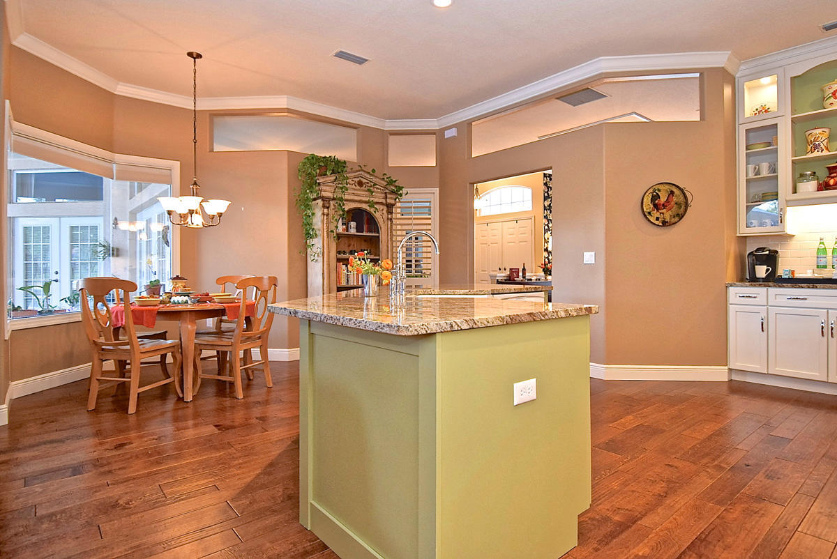 Christie s kitchen bath in venice fl 34285 for Kitchen cabinets venice fl
