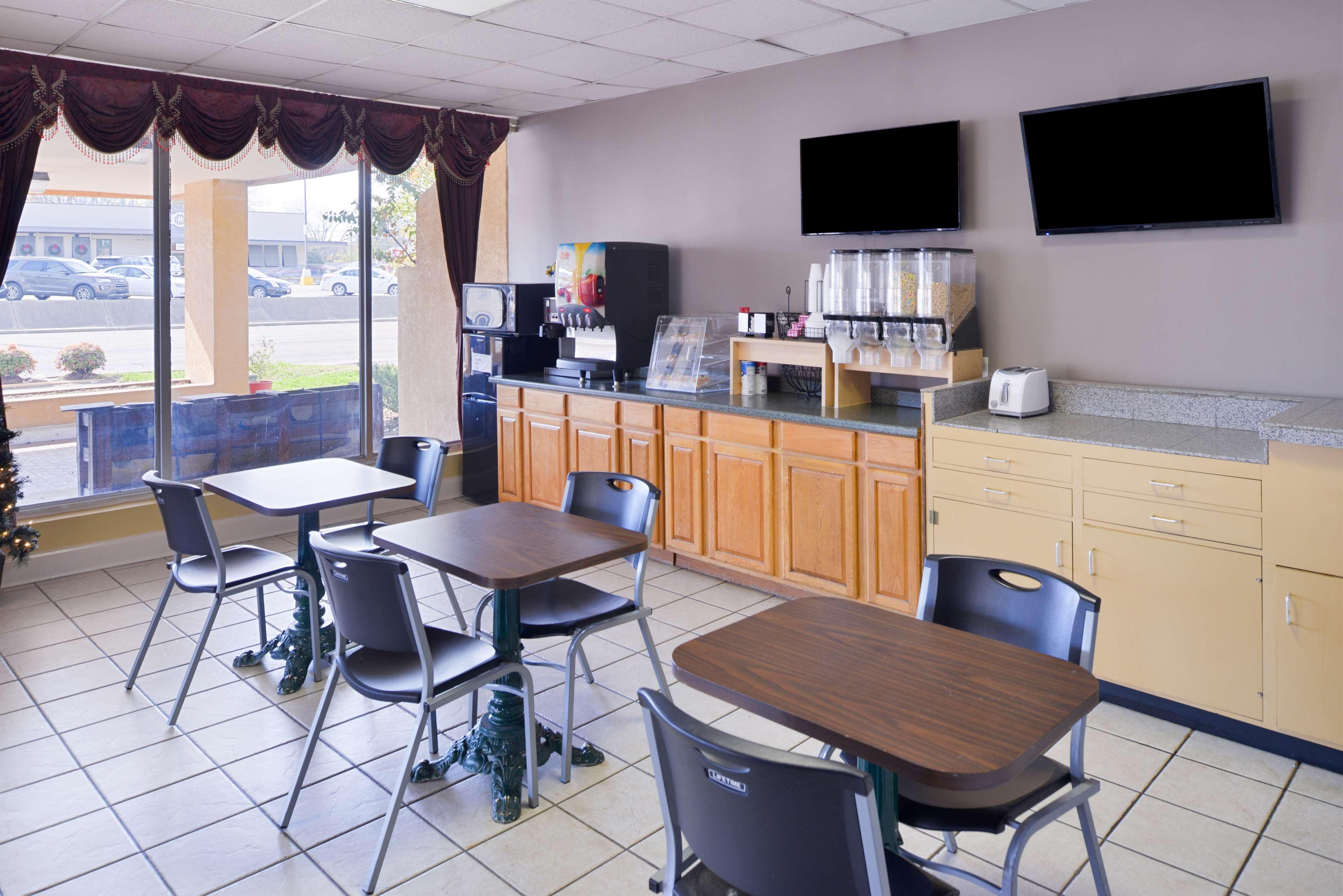 Americas Best Value Inn Suites Starkville Starkville Mississippi Ms