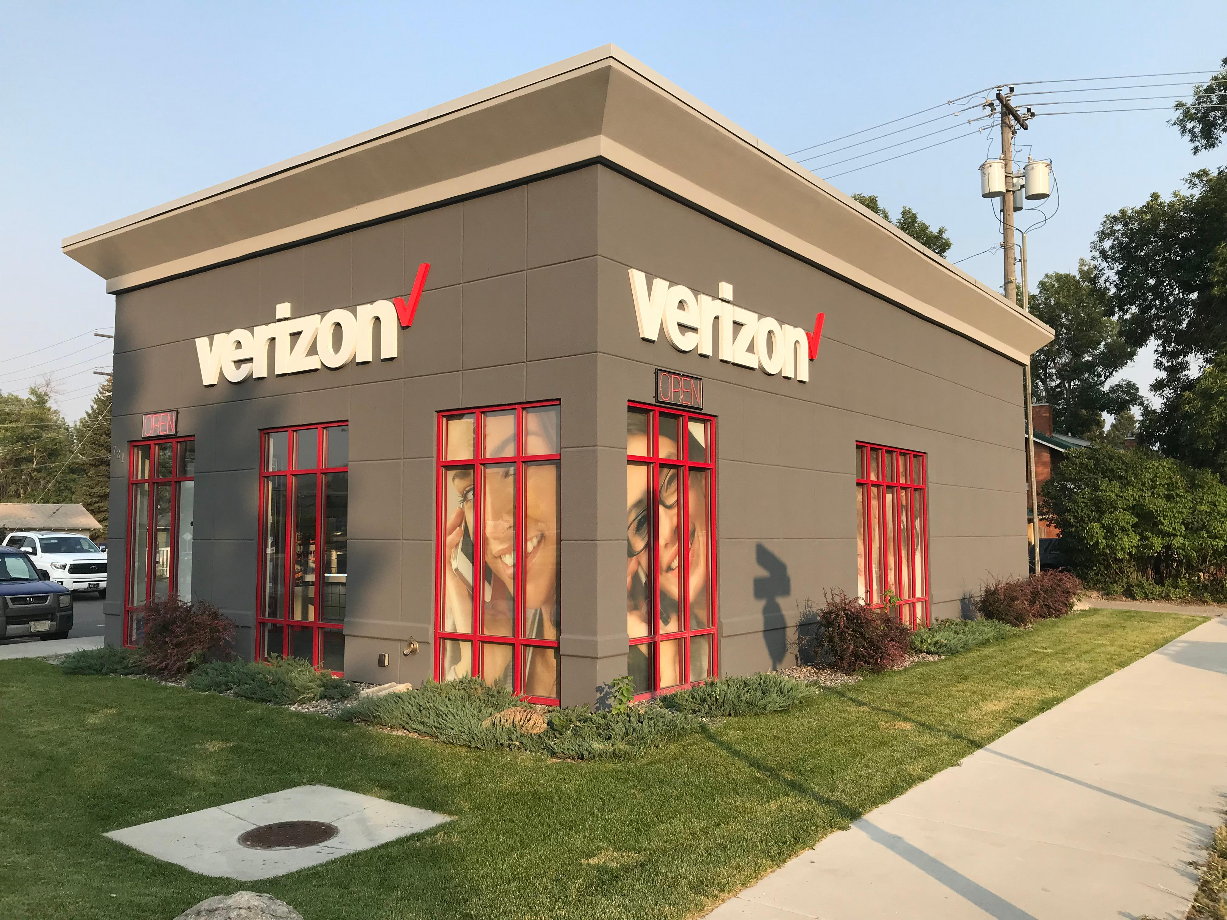 Verizon-Cellular Plus in Livingston, MT