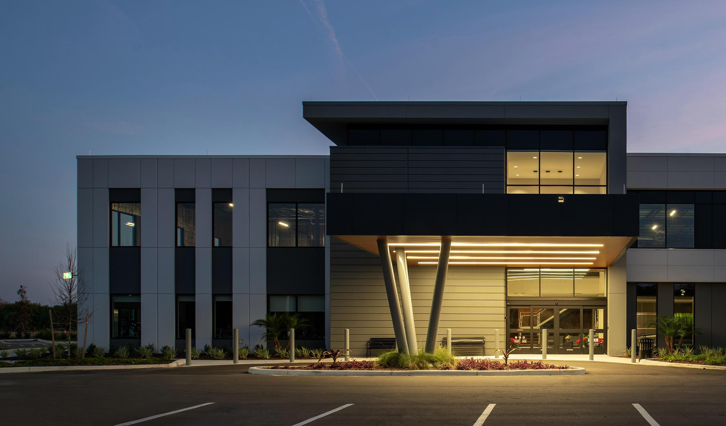 Exterior of Florida Orthopaedic Institute & Orthopaedic Urgent Care Brandon Office