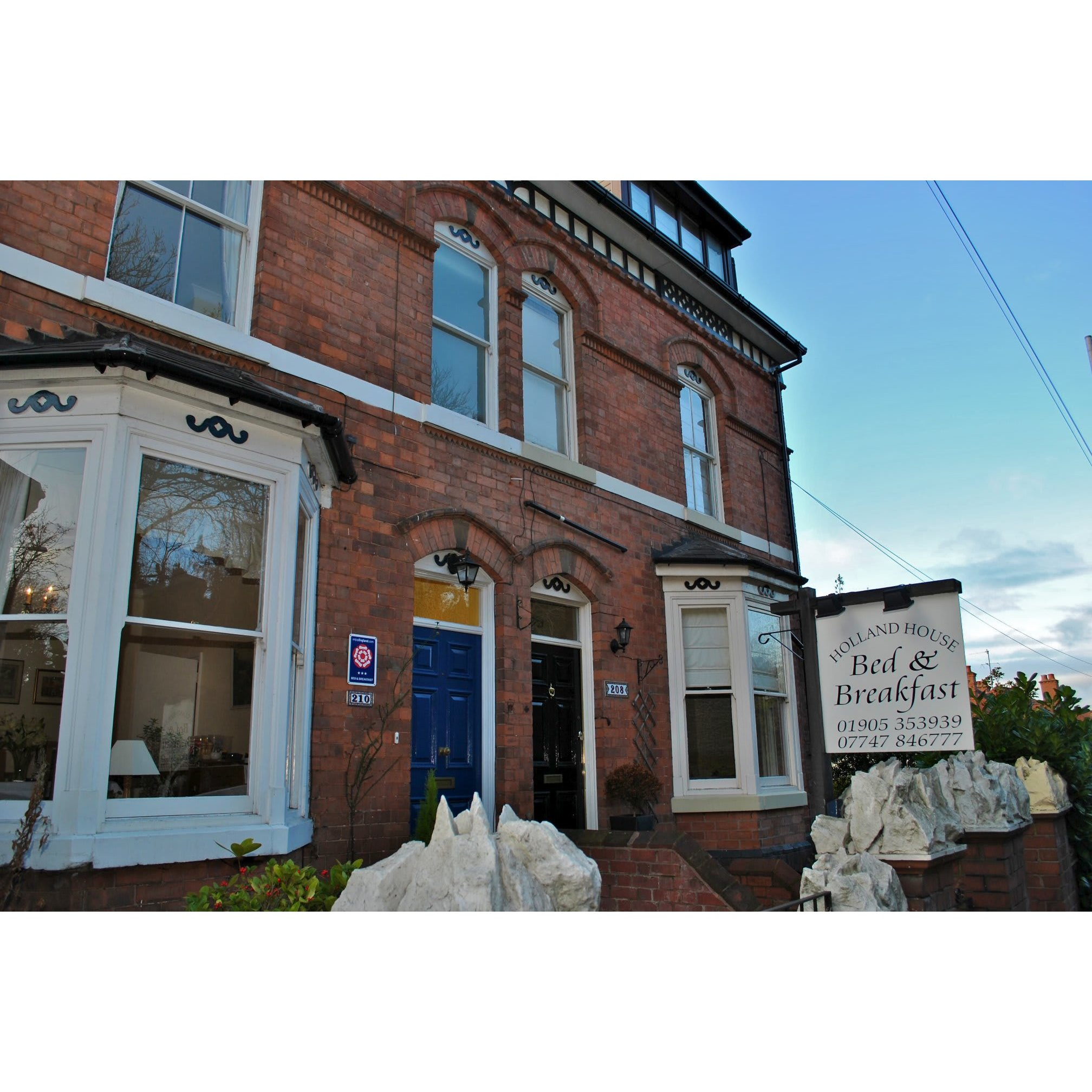 Holland House Bed & Breakfast - Worcester, Worcestershire WR5 2JT - 01905 353939 | ShowMeLocal.com