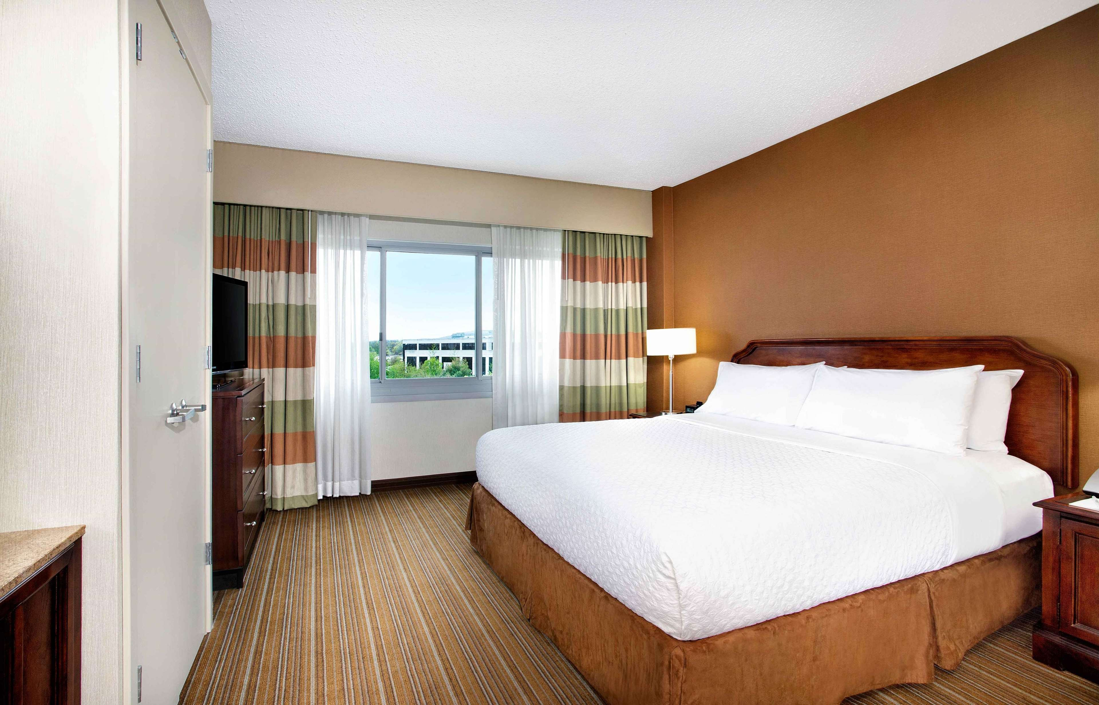 embassy suites by hilton parsippany parsippany new jersey. Black Bedroom Furniture Sets. Home Design Ideas