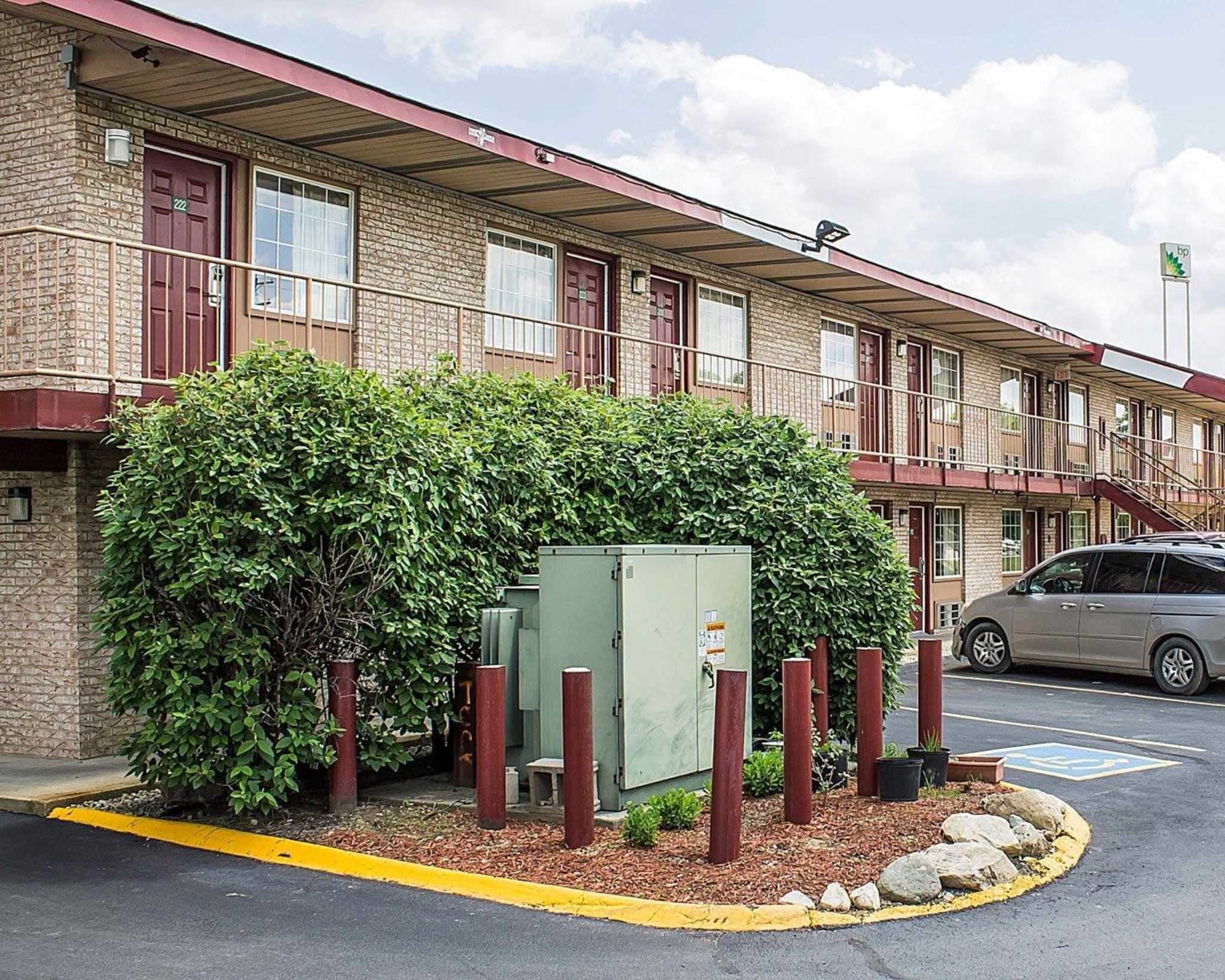 Hotels Near Columbus Zoo With Smoking Rooms