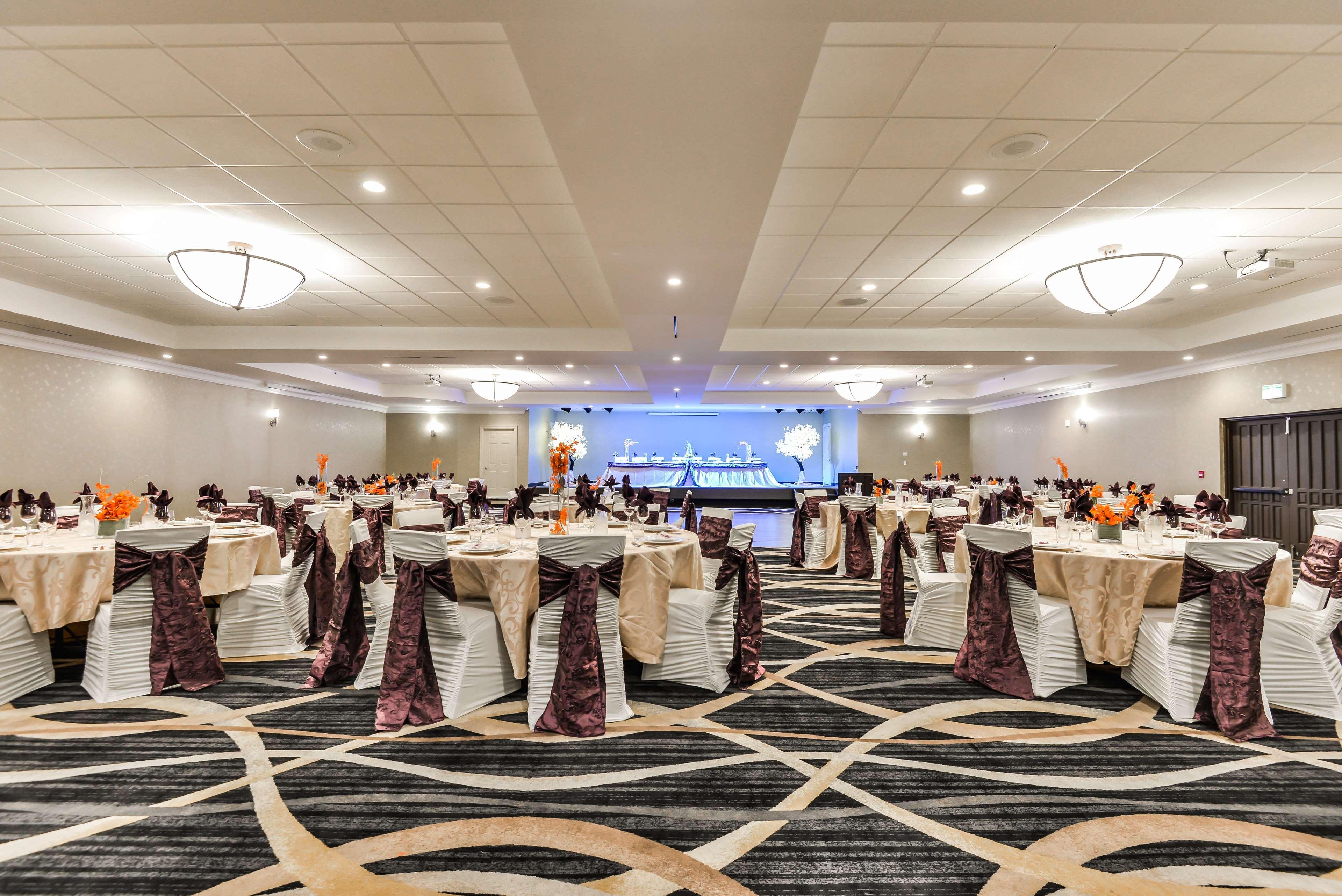 Banquet Room Best Western Plus Leamington Hotel & Conference Centre Leamington (519)326-8646