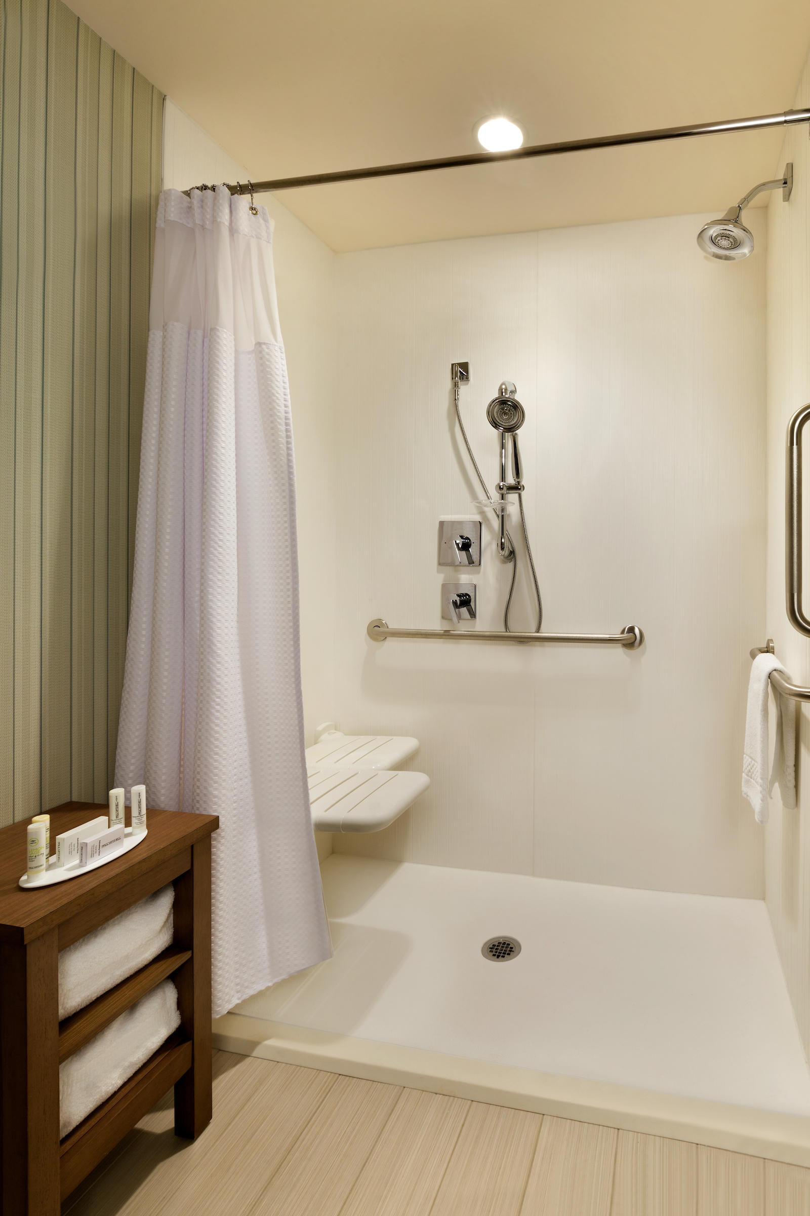 Accessible Guest Bathroom Courtyard by Marriott Cold Lake Cold Lake (780)594-0989