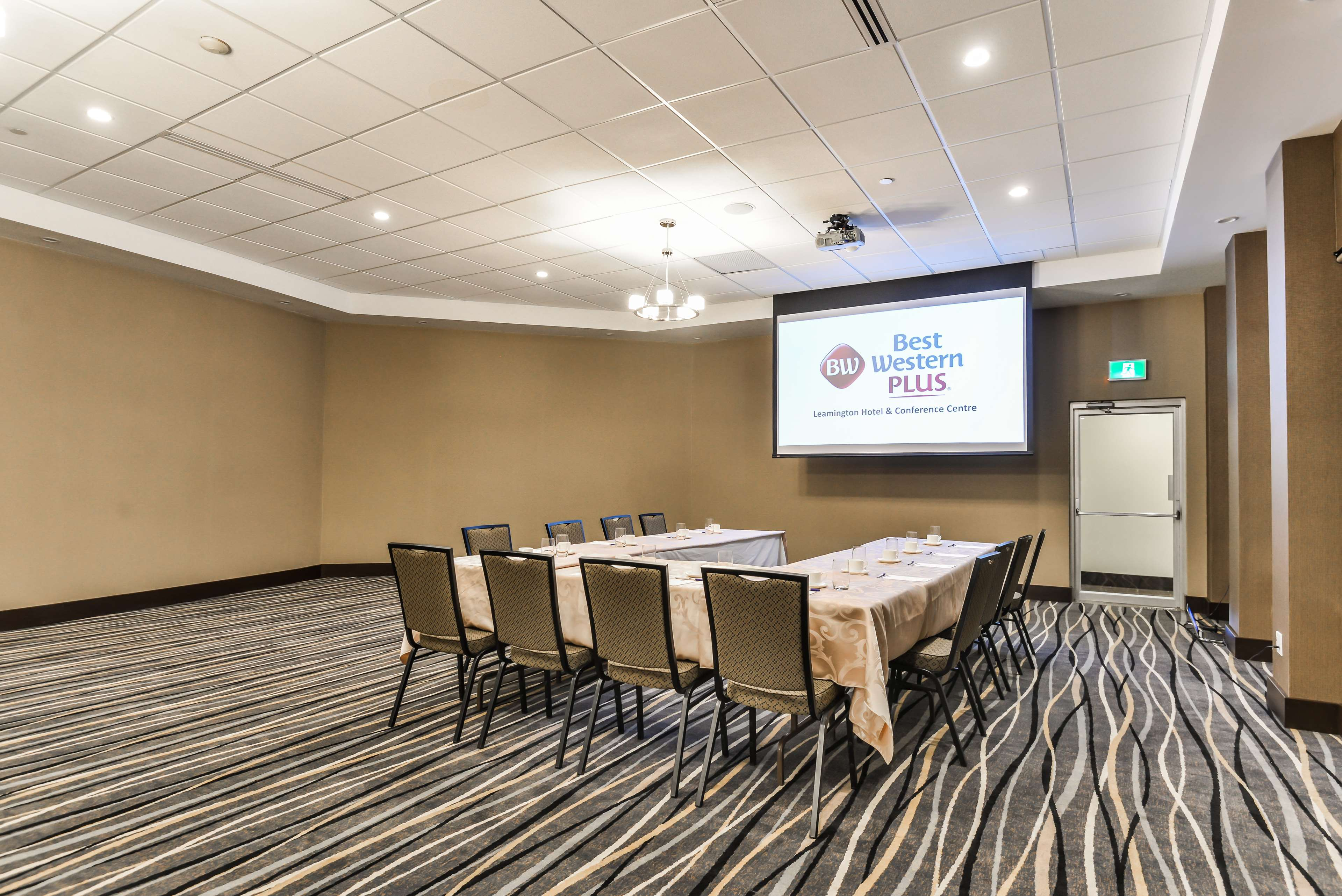 Meeting Room Best Western Plus Leamington Hotel & Conference Centre Leamington (519)326-8646