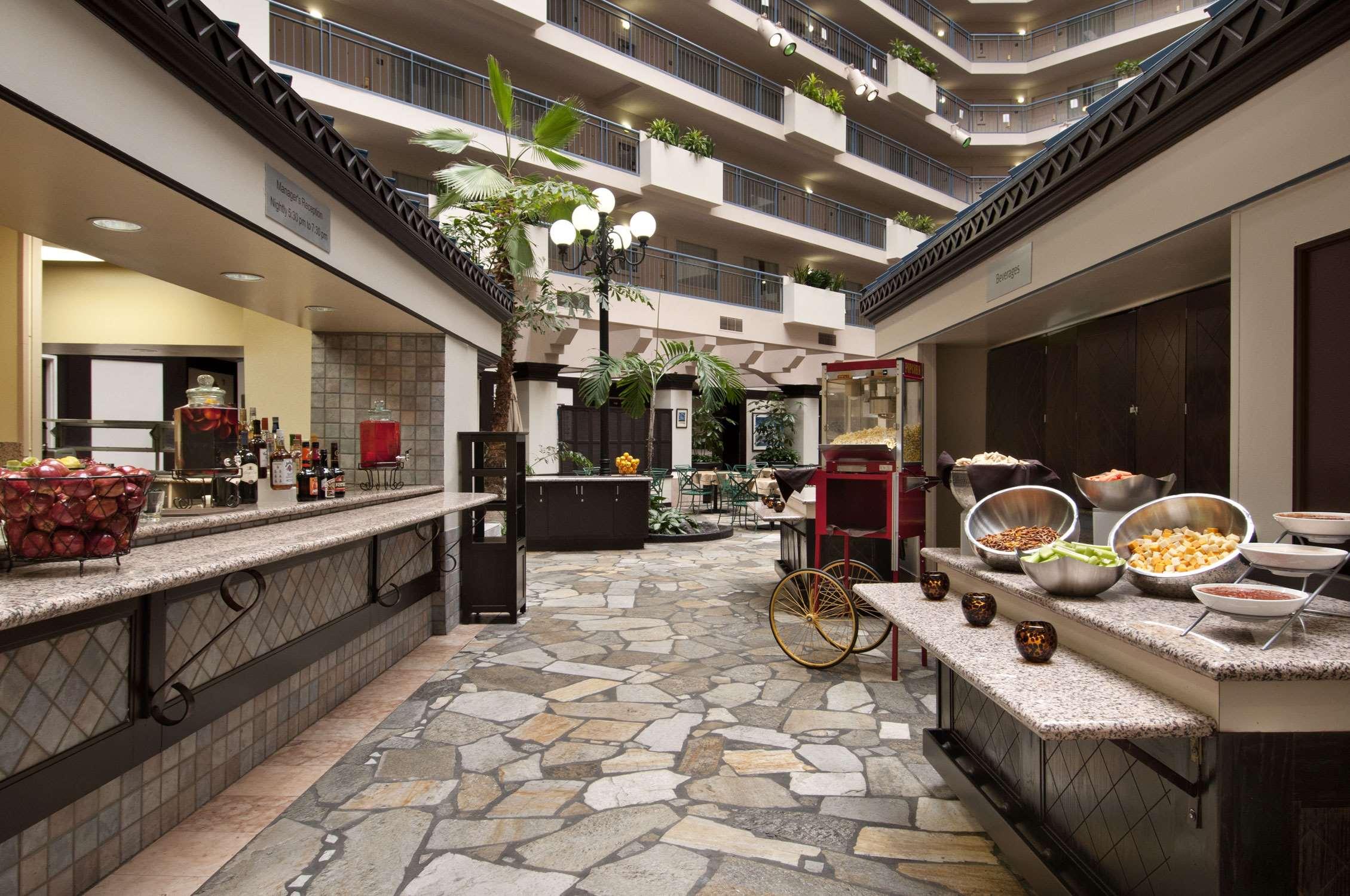 Embassy Suites By Hilton Seattle Tacoma International
