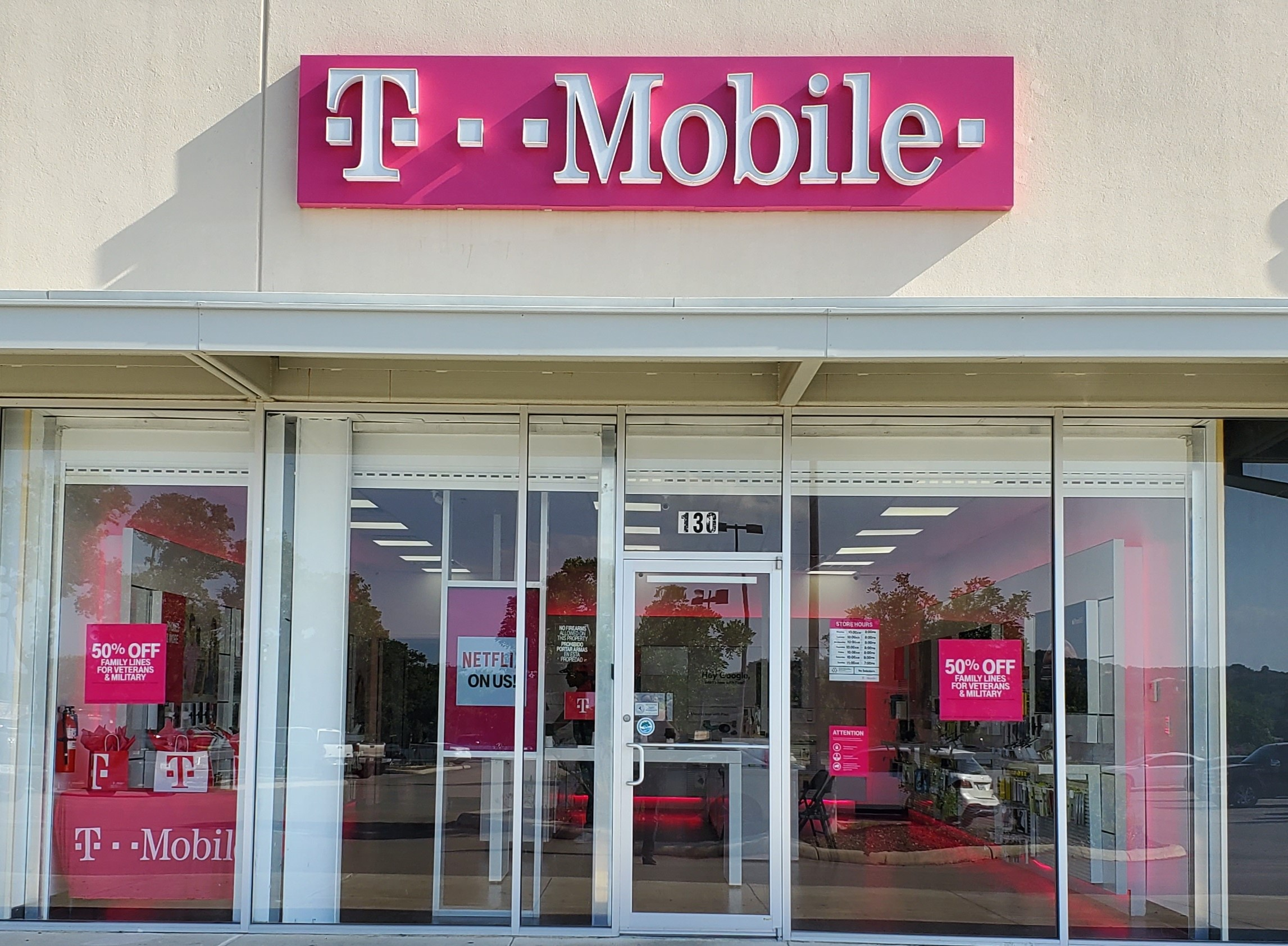 t mobile store hours saturday