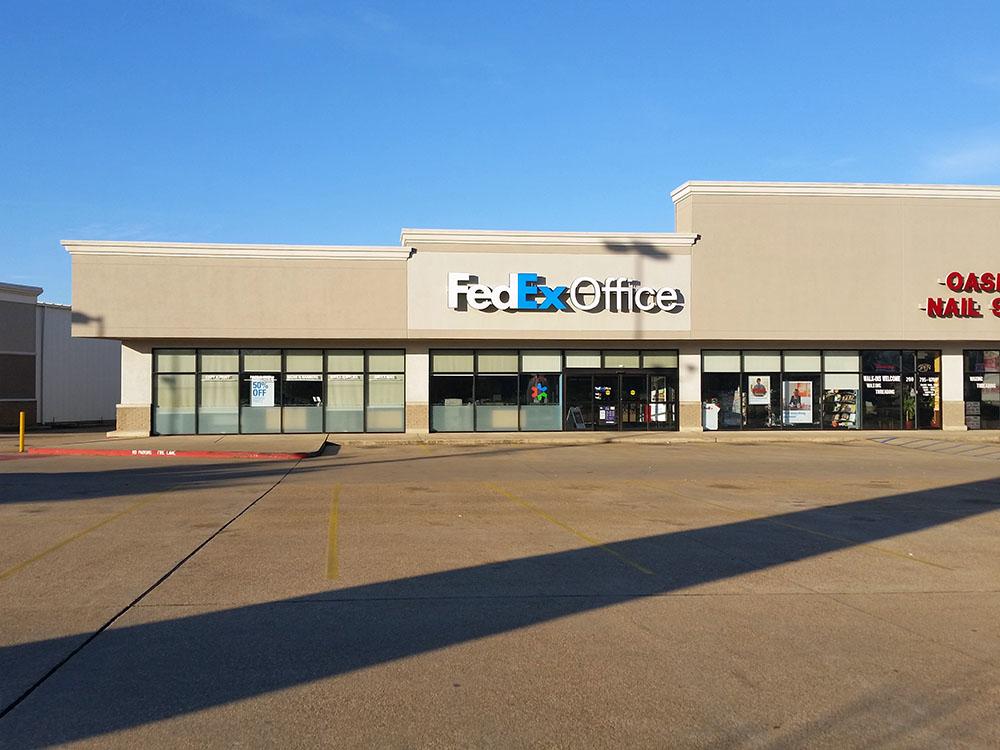 Print online design print center fedex office autos post for Fedex office davis ca