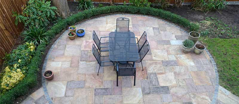 INCREASE THE APPEAL AND INTEREST OF YOUR OUTDOOR SPACE WITH CONCRETE PAVING.