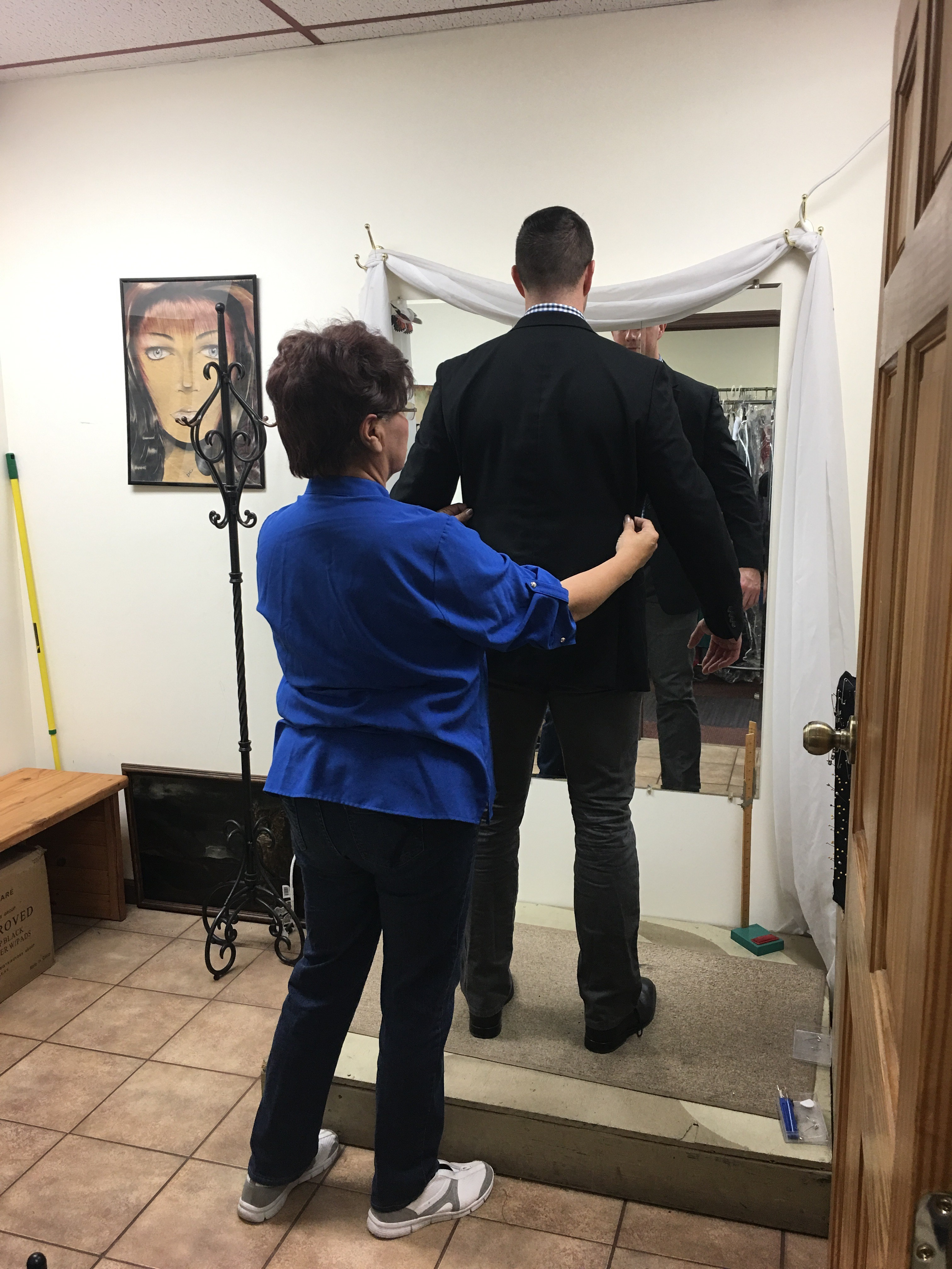 Hills alterations repairs in columbus oh 43204 for Wedding dress alterations columbus ohio