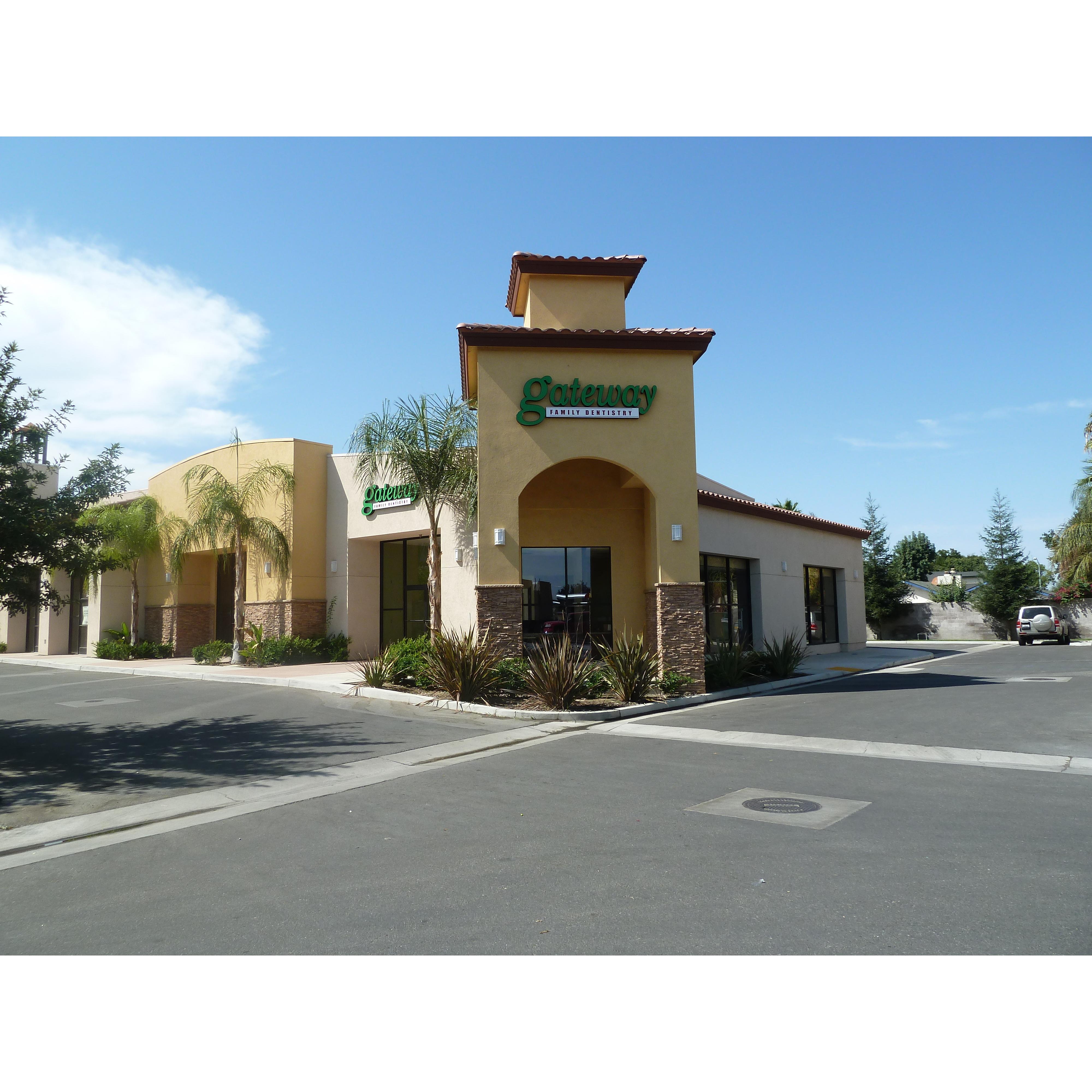 Gateway Family Dentistry - Bakersfield, CA - Dentists & Dental Services