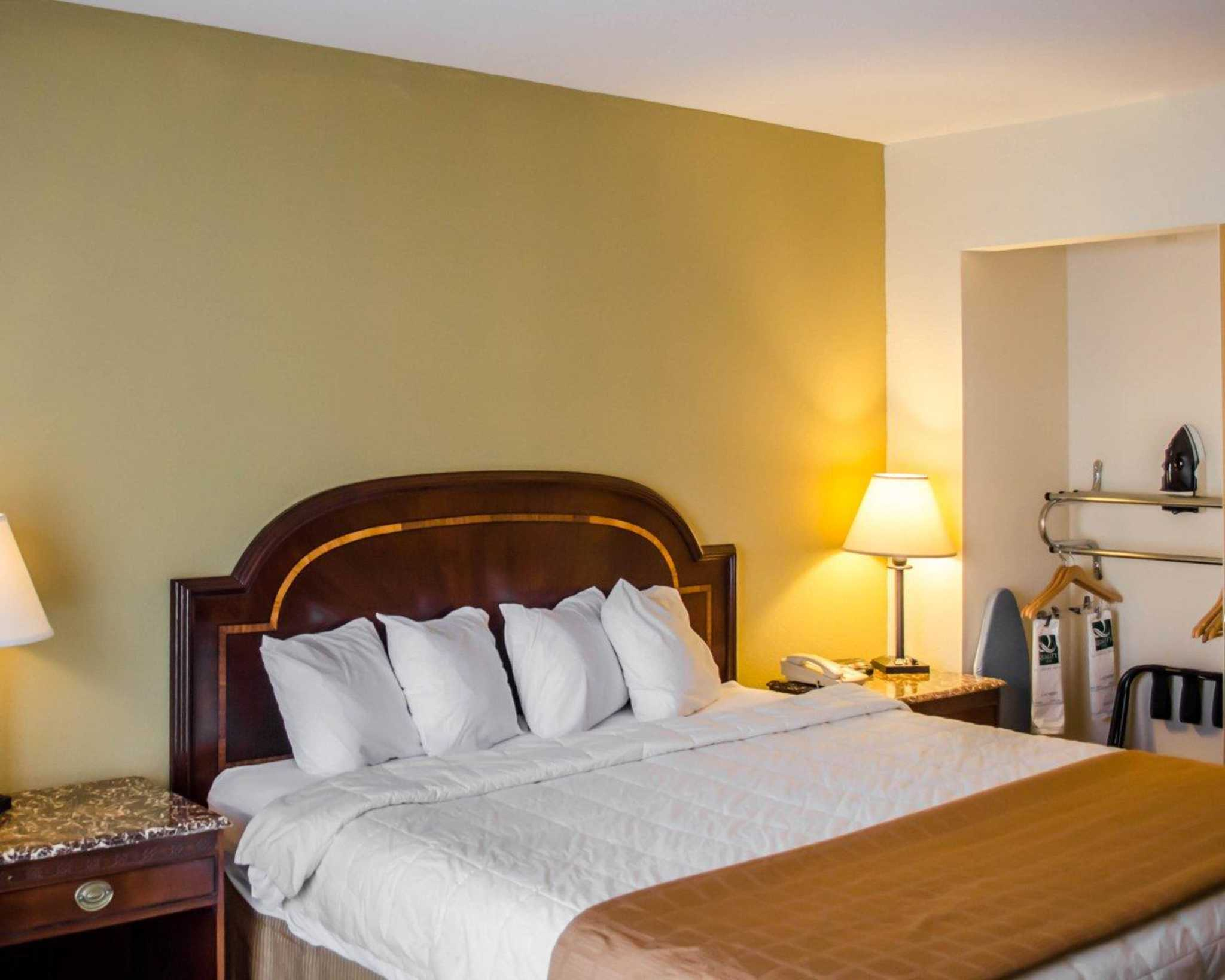 Holiday Inn Express & Suites Pensacola W I-10 Hotel by IHG