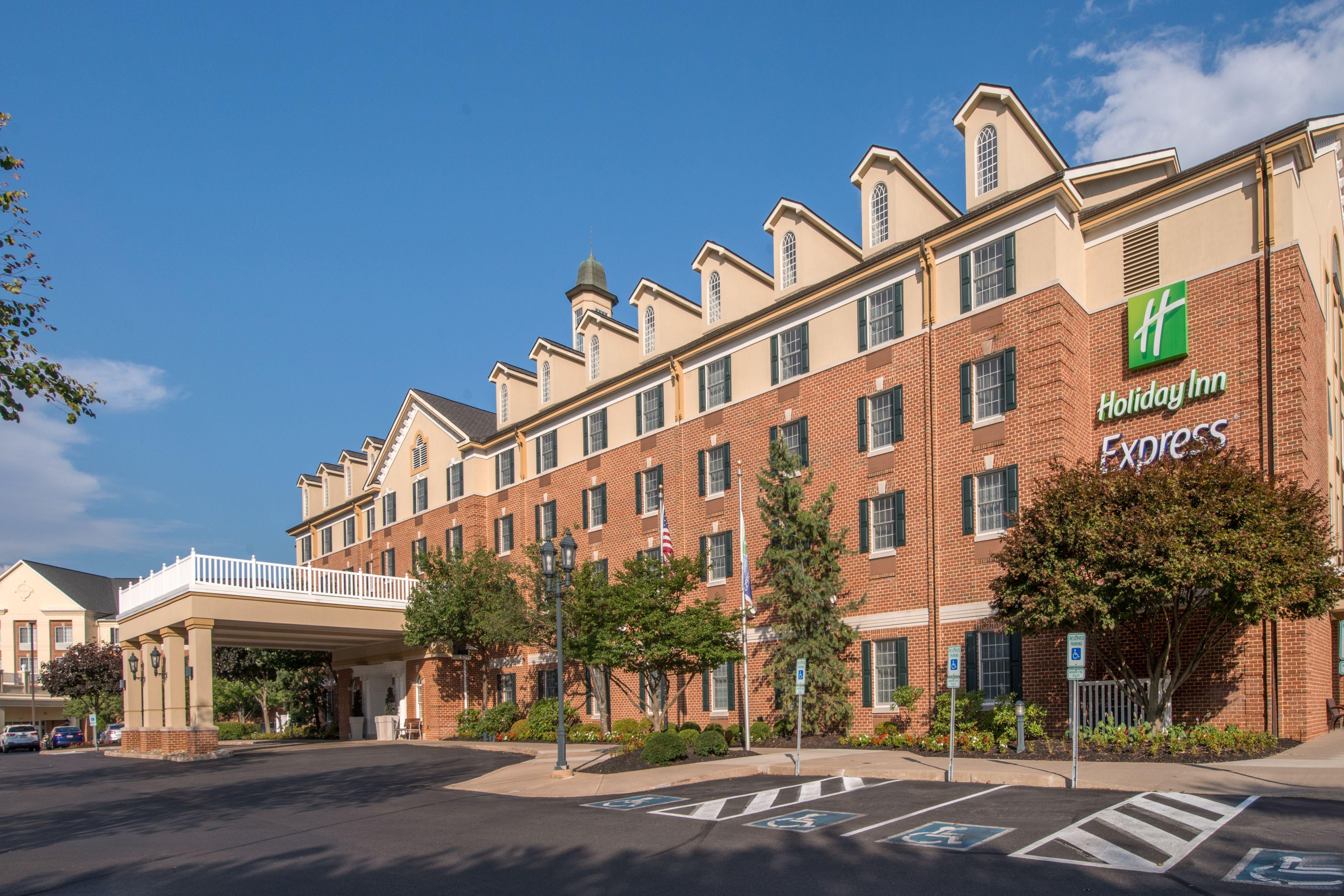 Holiday Inn Express Suites Starkville Starkville Mississippi Ms