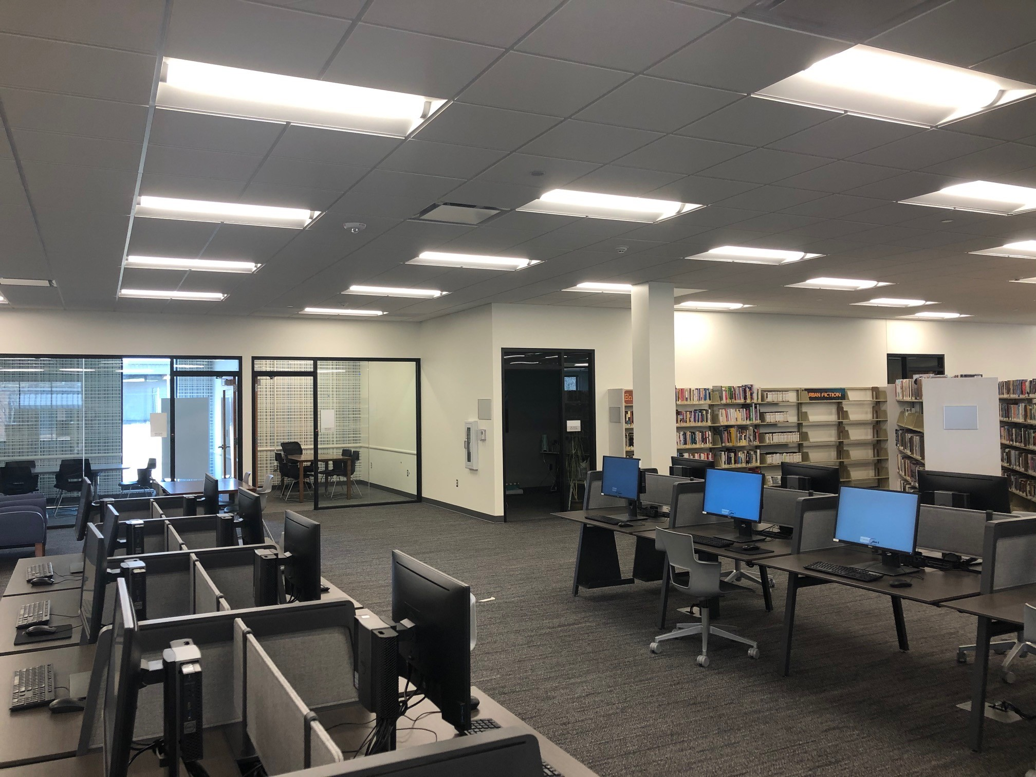 Mid-Continent Public Library - Grandview Branch