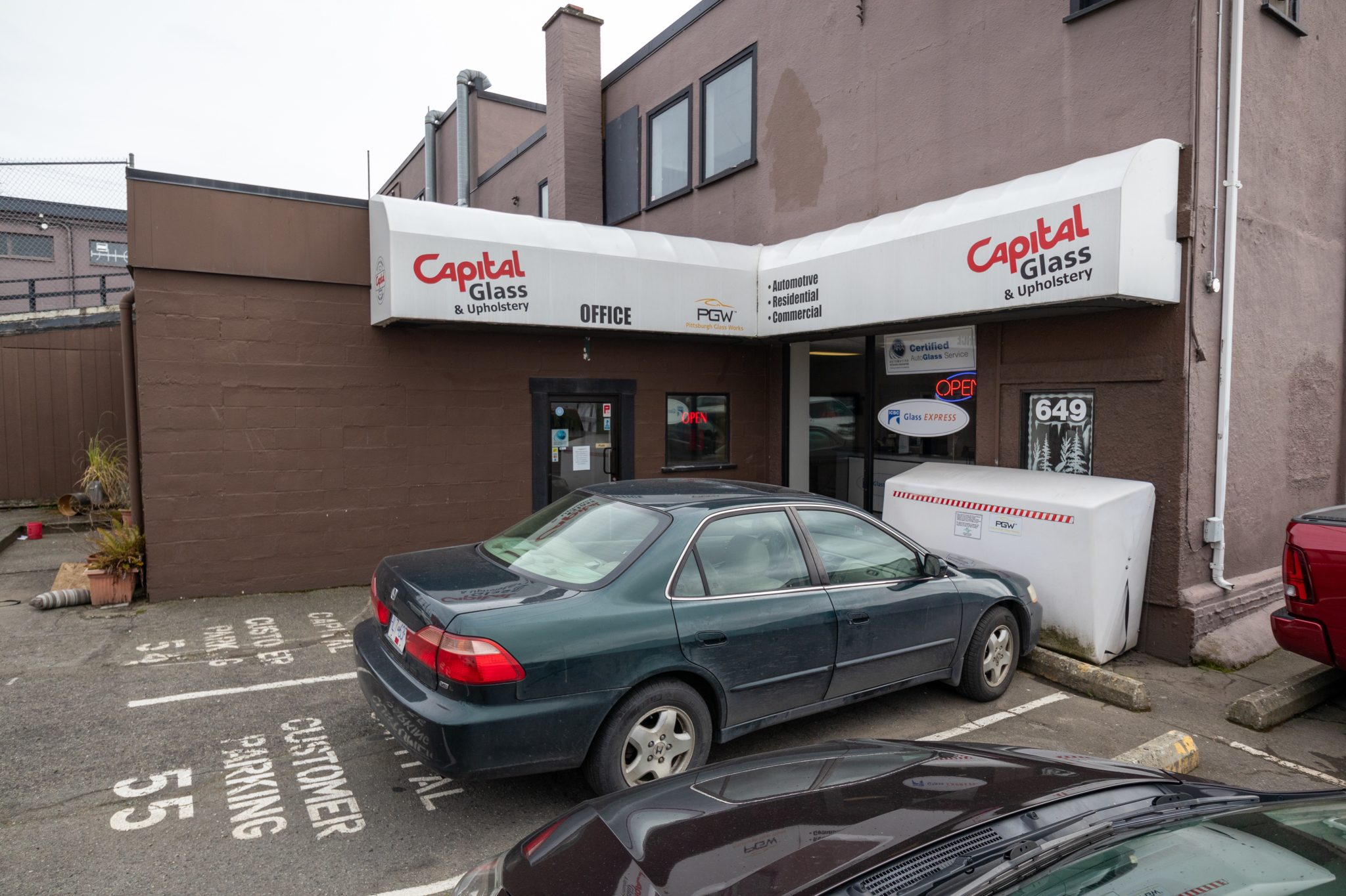 Capital Auto Glass & Upholstery Ltd in Victoria: Capital Auto Glass - Downtown Victoria (Pembroke)