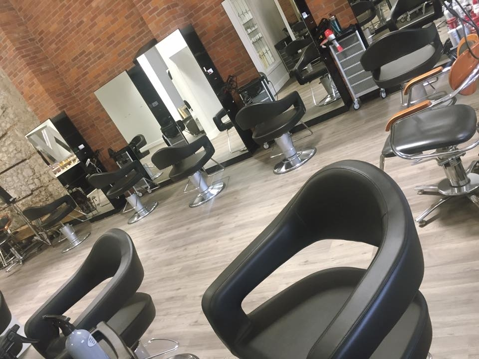 Wispers Hair & Day Spa in Cambridge: Style Stations