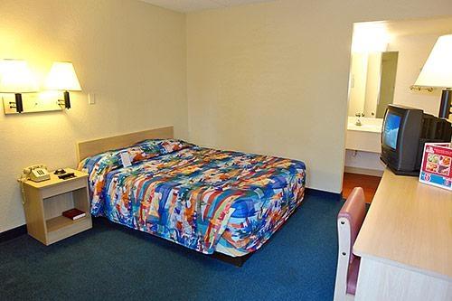 Motel 6 Phoenix Tempe - Priest Dr image 2