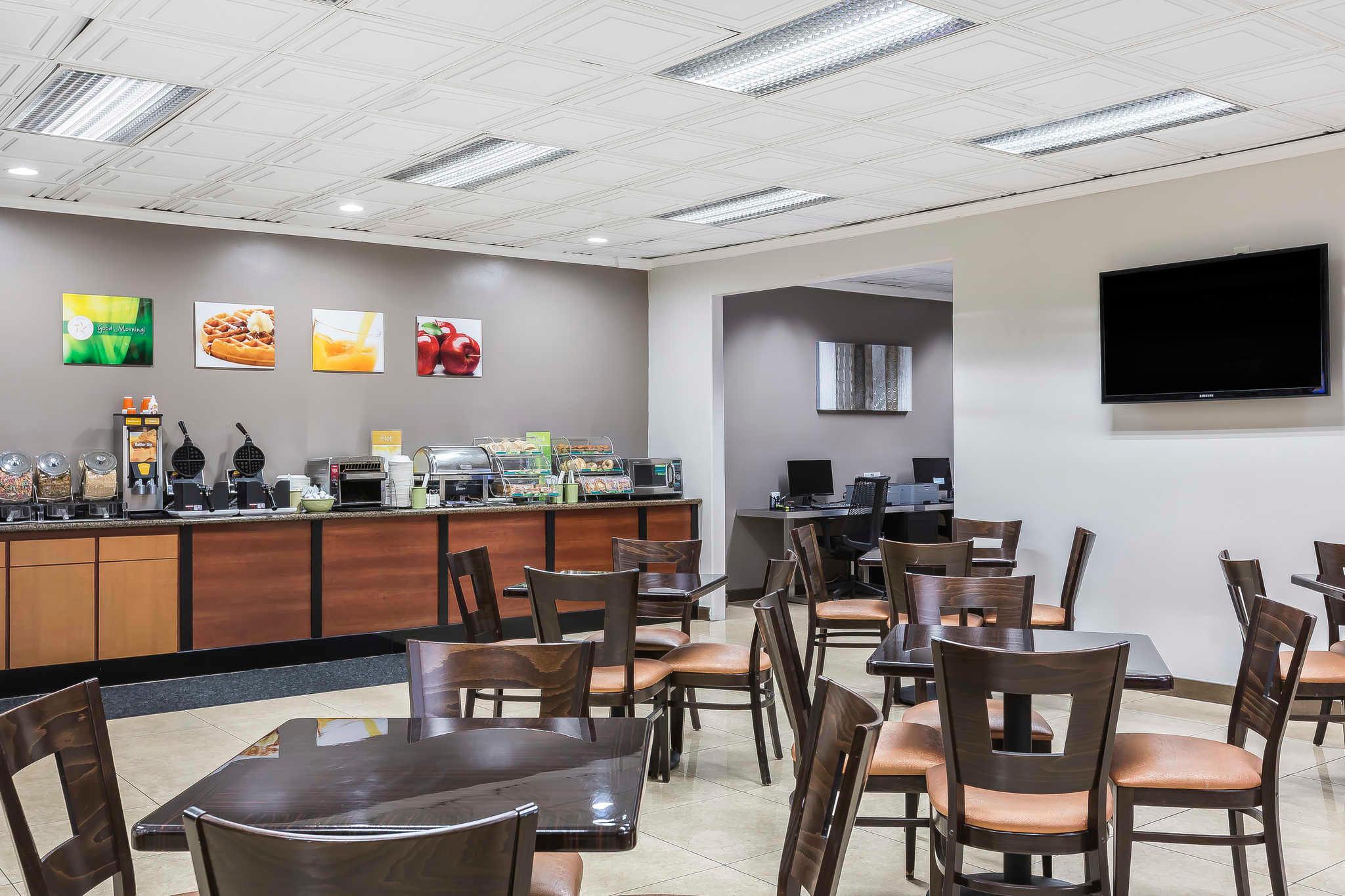 Quality Inn Amp Suites Los Angeles Airport Lax Inglewood