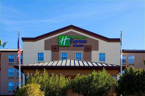 Holiday Inn Express & Suites Phoenix Airport - ad image