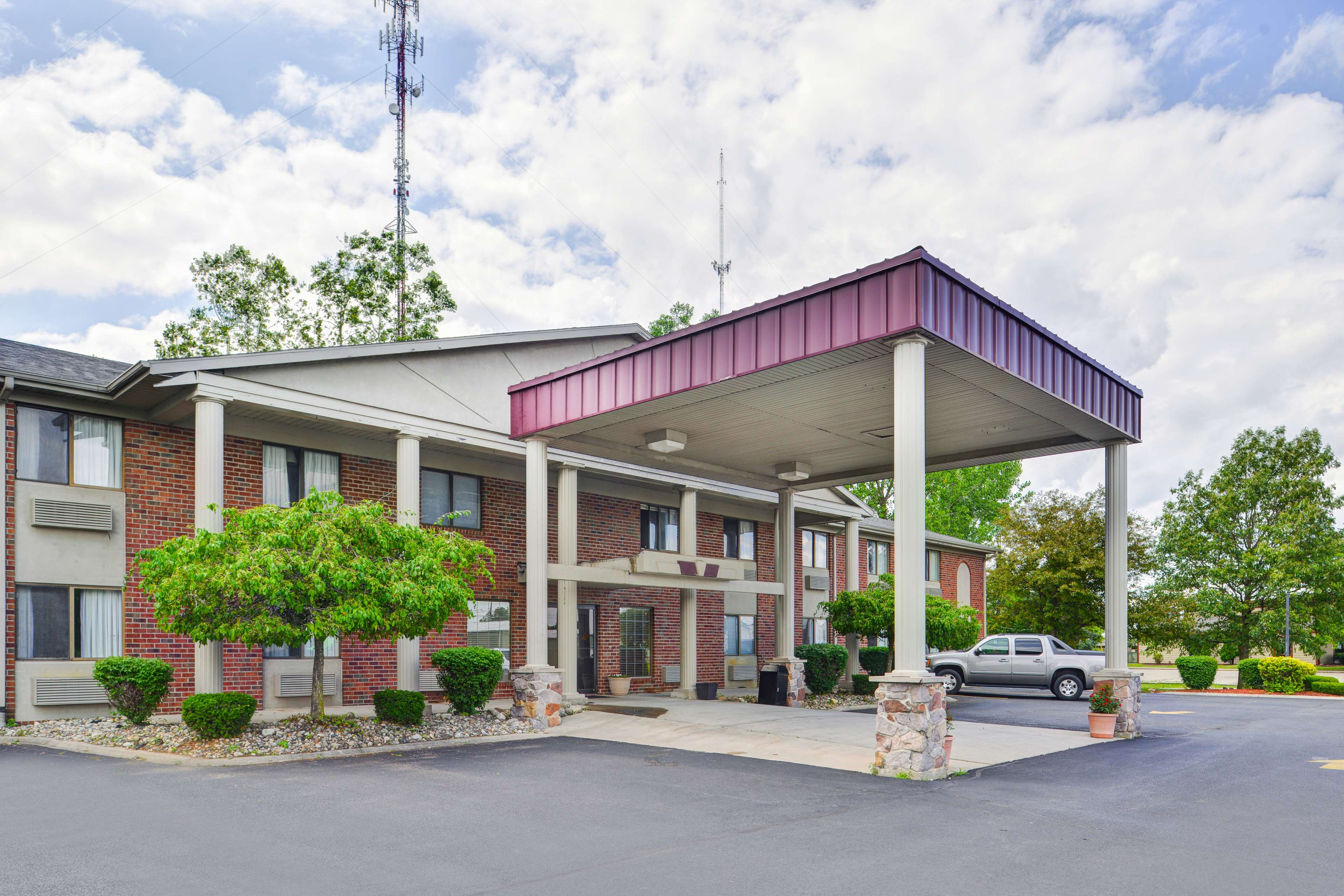 Americas best value inn suites bluffton coupons near me for Hotels 8 near me