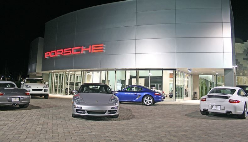 Porsche of reno reno nevada nv for Mercedes benz of reno staff