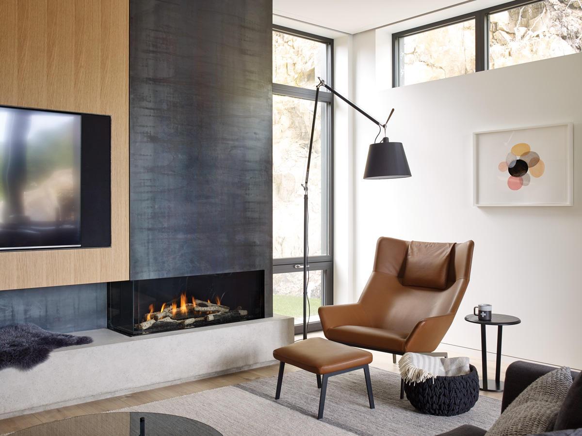 Fireplace Gallery in Edmonton: Regency City Series Chicago Corner 40 Gas Fireplace