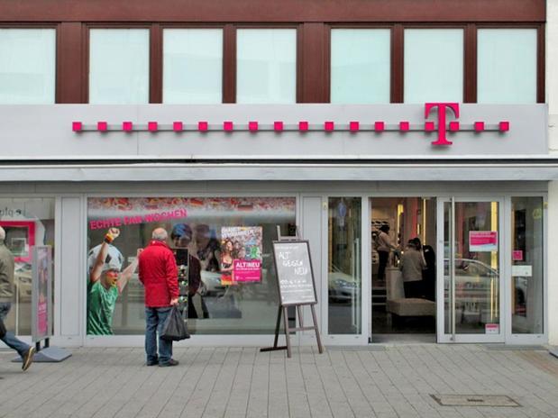 Kundenbild klein 2 Telekom Shop