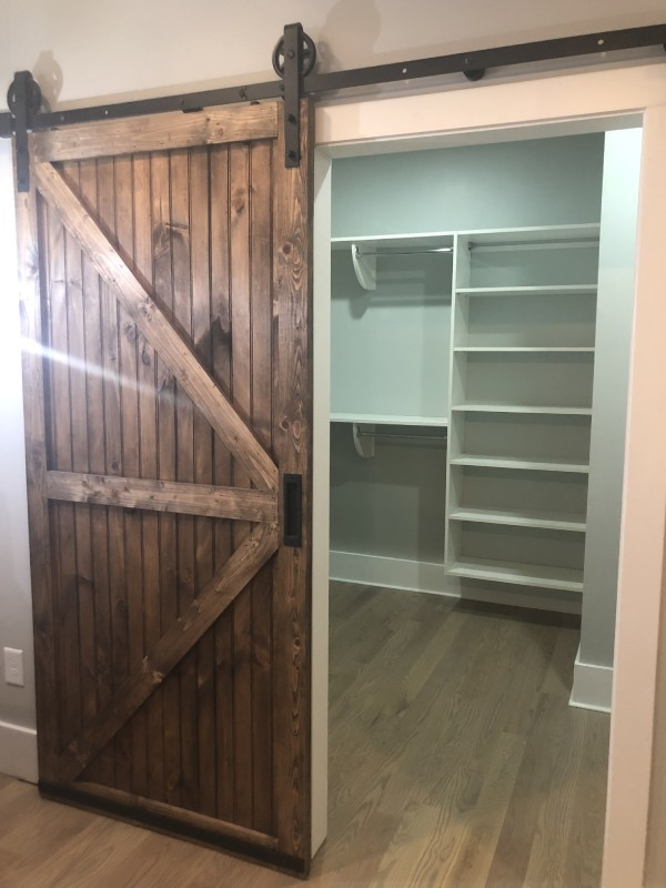 Custom closets are the ideal solution for optimal organization at your home or business.
