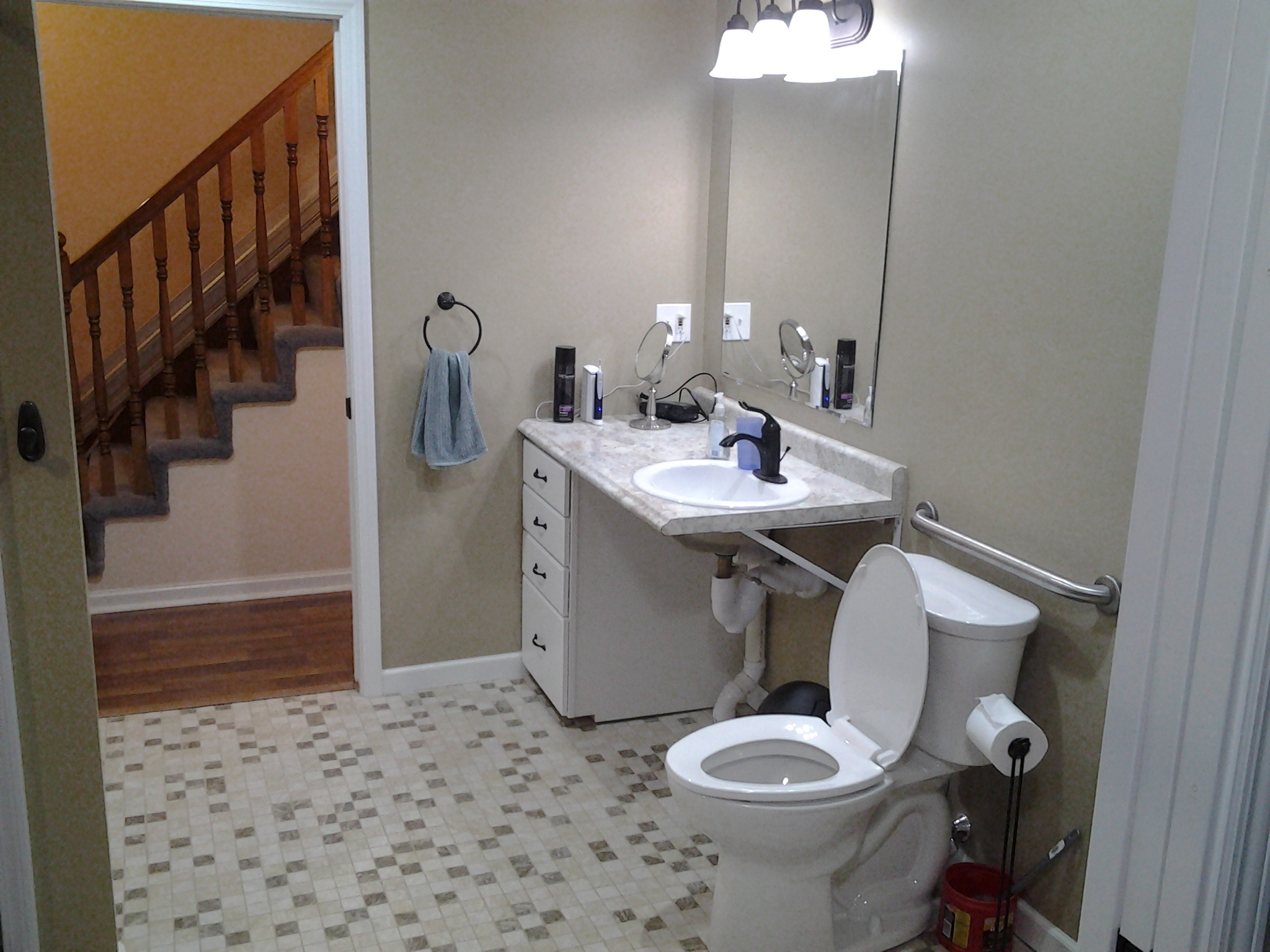 Handypro of west michigan in marne mi 49435 for Bath remodel wyoming mi