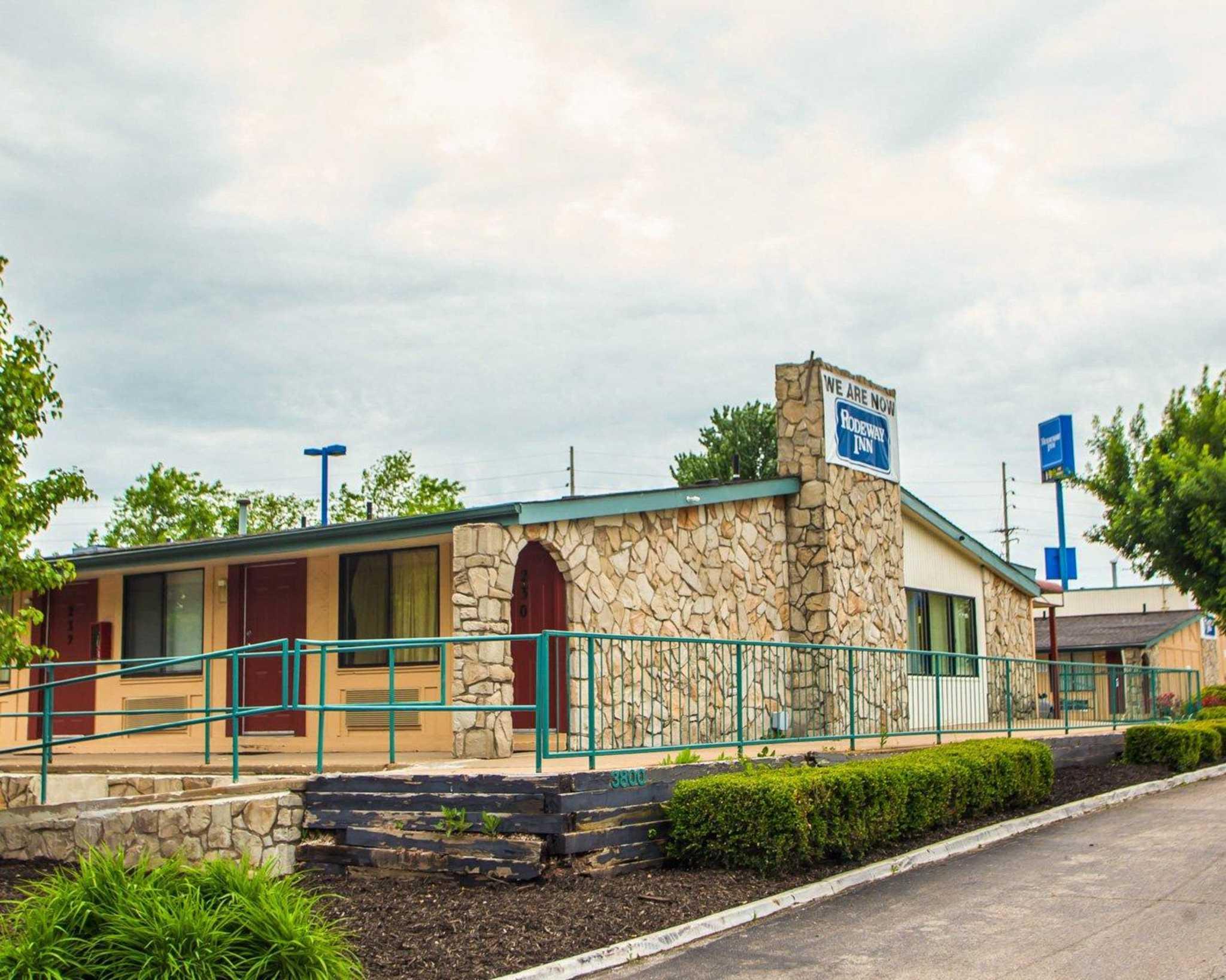 Rodeway Inn In Saint Charles Mo 63301 Chamberofcommerce Com