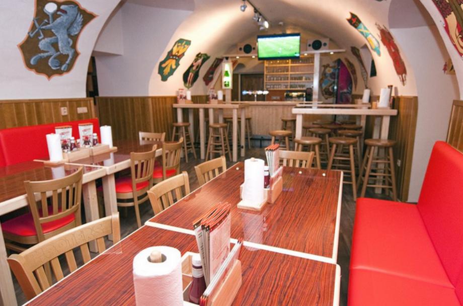 Restaurace HOOTERS Havelská